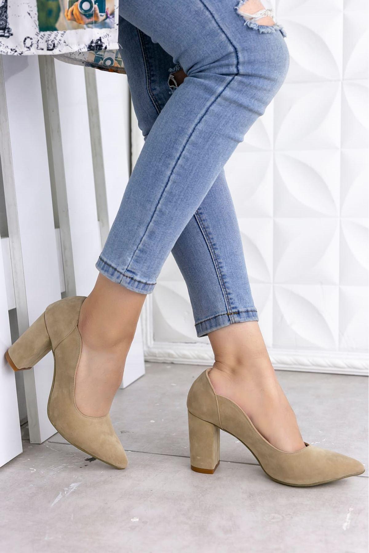 Nadia Süet Sivri Burun Topuklu Ayakkabı Vizon