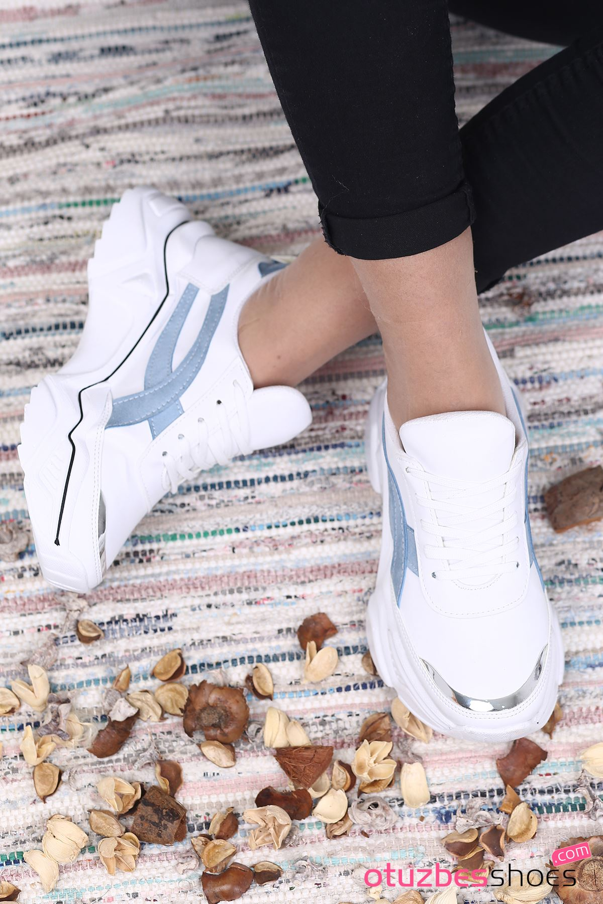 Ayça Mat Deri Bebe Mavi Detay  Spor Ayakkabı Beyaz