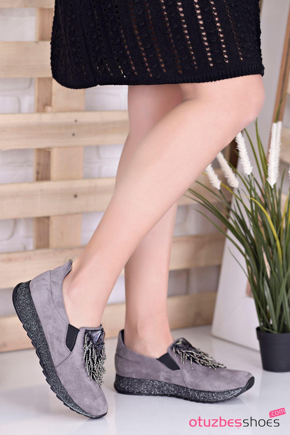 Nesso Süet Taş Detay Bayan Ayakkabı Gri