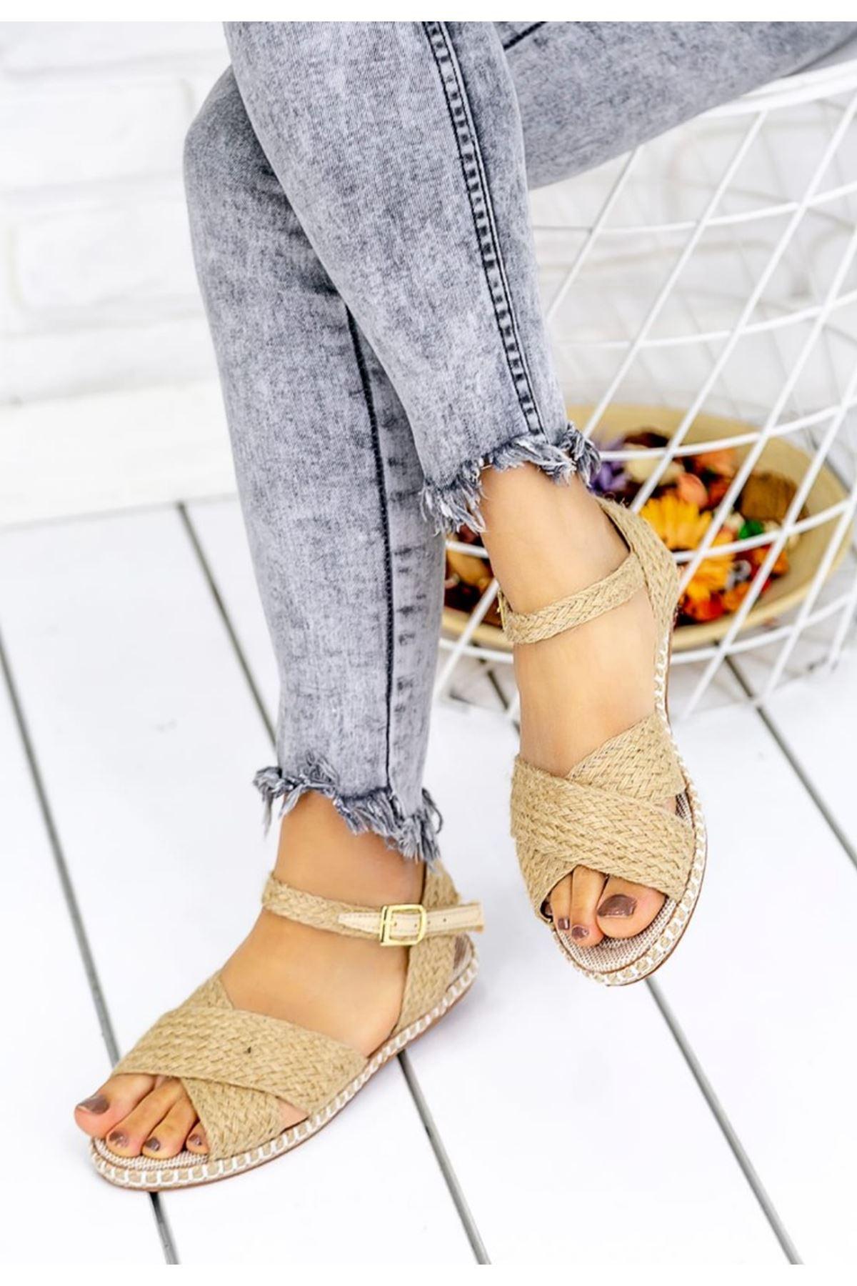 Kelly Hasır Detay Çapraz Bant Sandalet