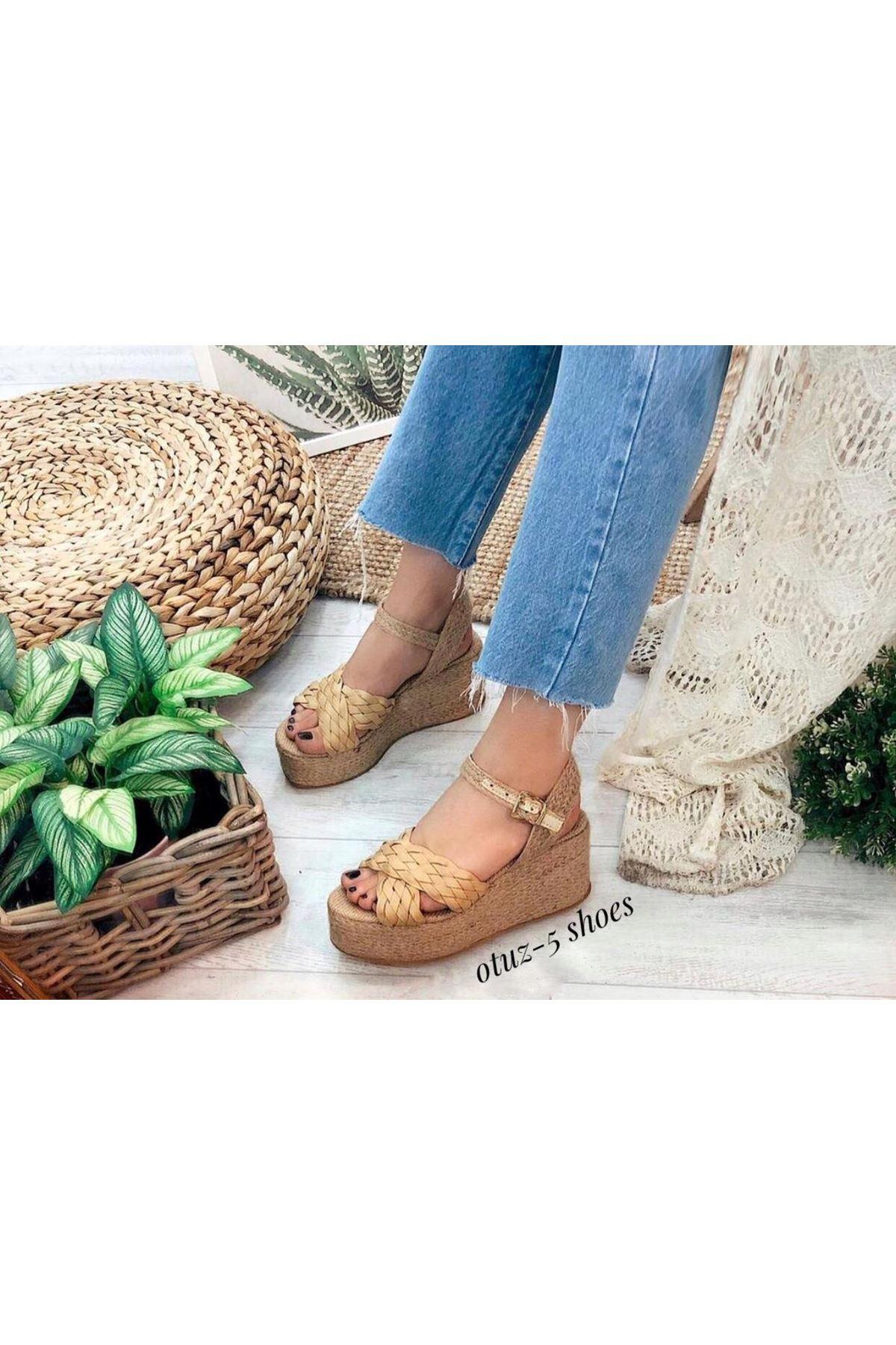 Frida Mat Deri Çapraz Bant Dolgu Topuk Ayakkabı Sarı
