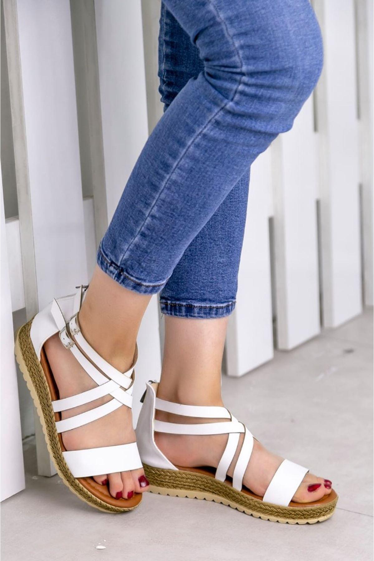 Eva Mat Deri Beyaz Kadın Sandalet