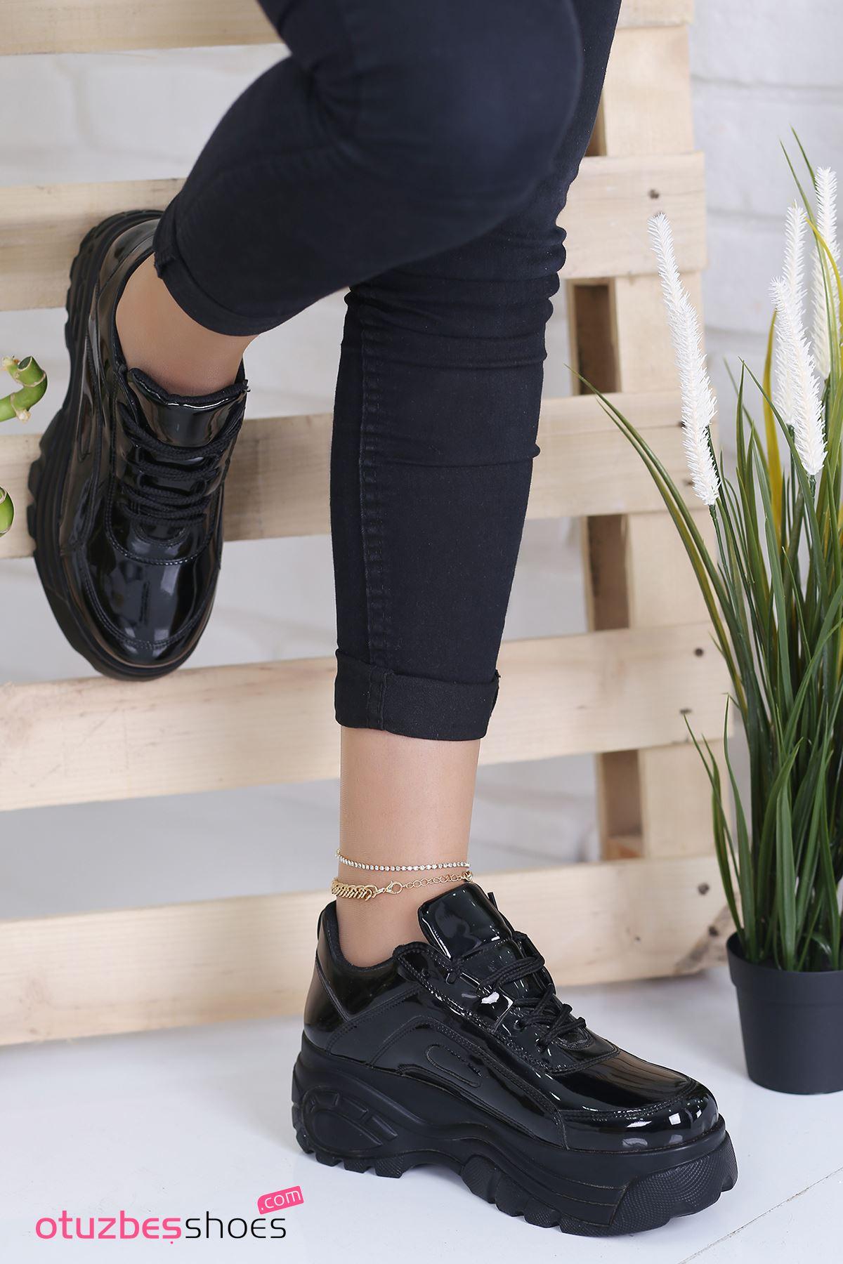 Agnes Rugan Detay Kalın Taban Spor Ayakkabı Siyah