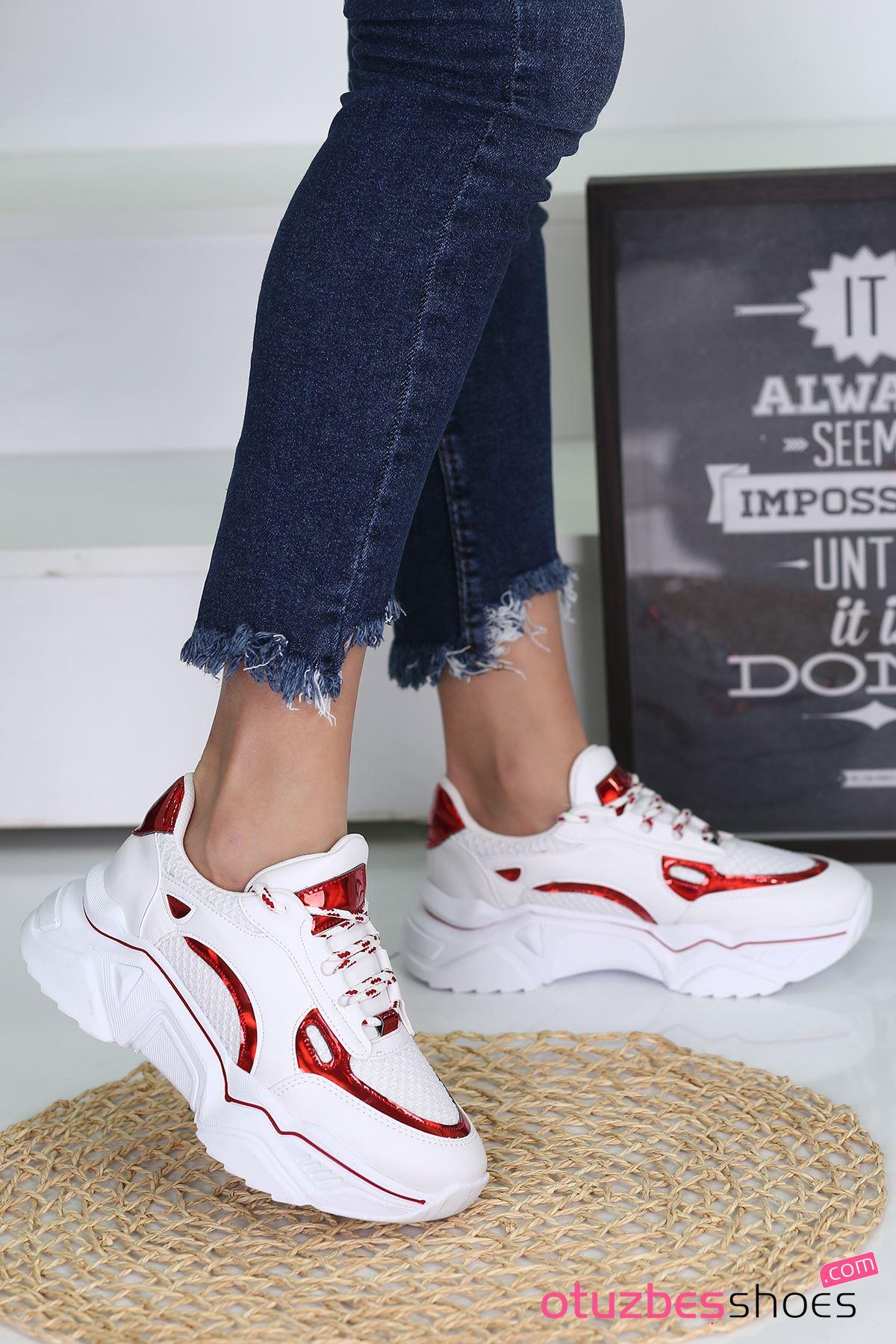 Nisa Mat Deri Kırmızı Hologram Detay Spor Ayakkabı Beyaz