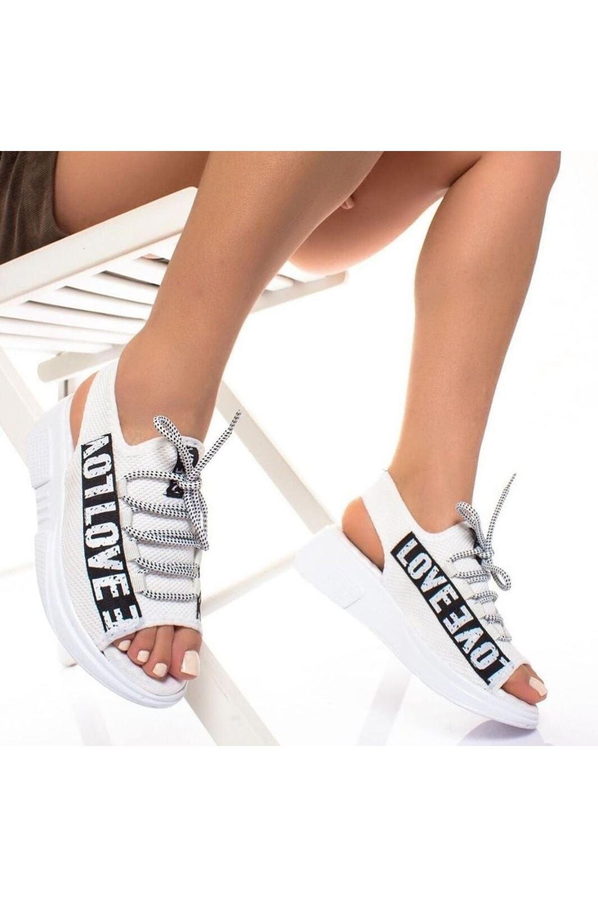 Lover Çelik Örgü Yazı Detay Sandalet Beyaz
