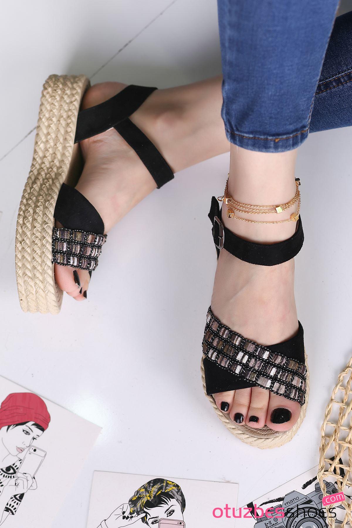 Işıl Süet Renkli Çapraz Detay Kadın Sandalet Siyah