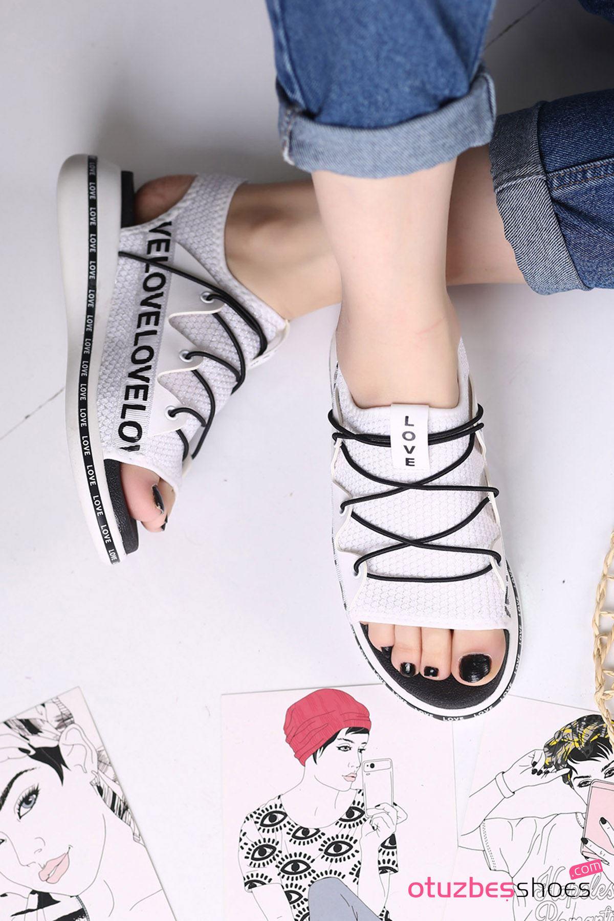 Flor Lastik Detay Likralı Triko Kadın Sandalet Beyaz