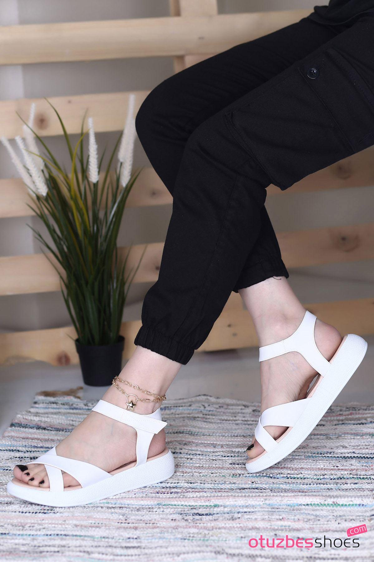 Sera Mat Deri Çapraz Kadın Sandalet Beyaz