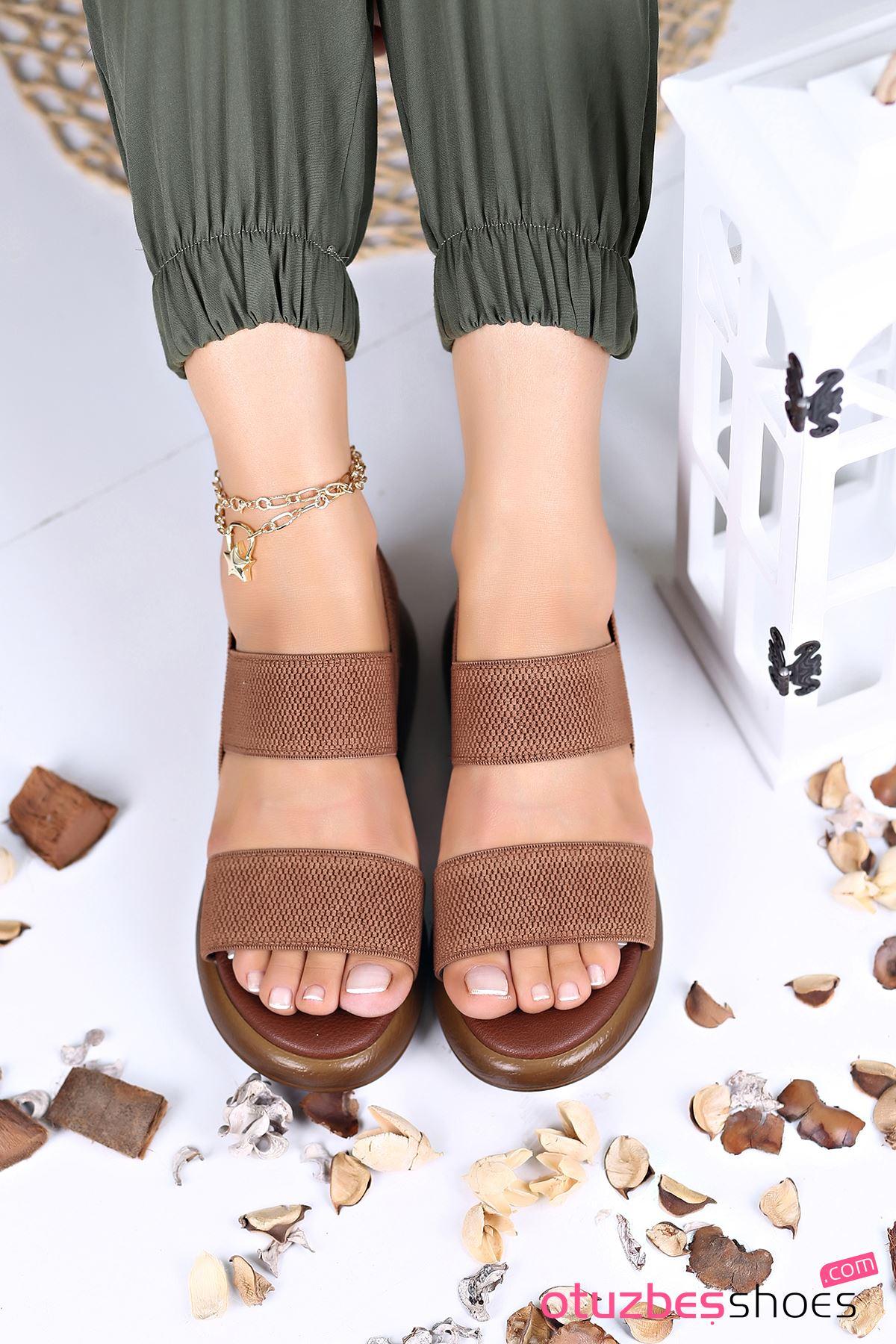 Kista Likralı Lastik Detay Kadın Sandalet Taba