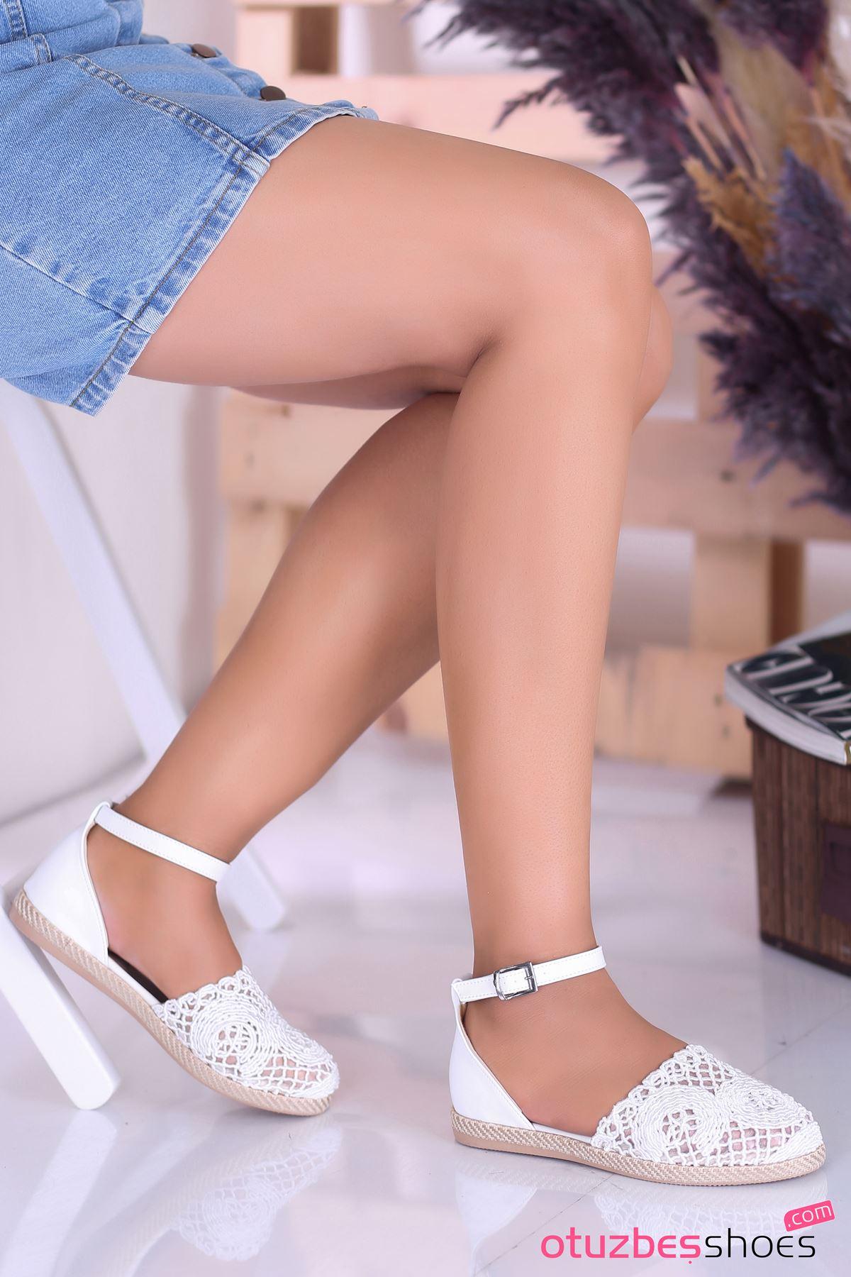 Sinde Dantel Detay Beyaz Kadın Ayakkabı