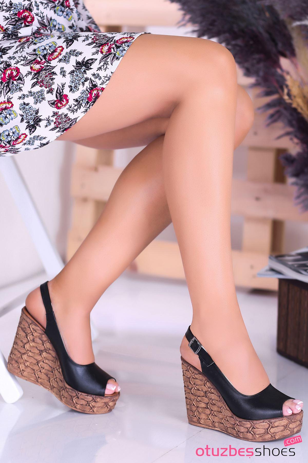 Alonso Siyah  Dolgu Topuk Kadın Ayakkabı