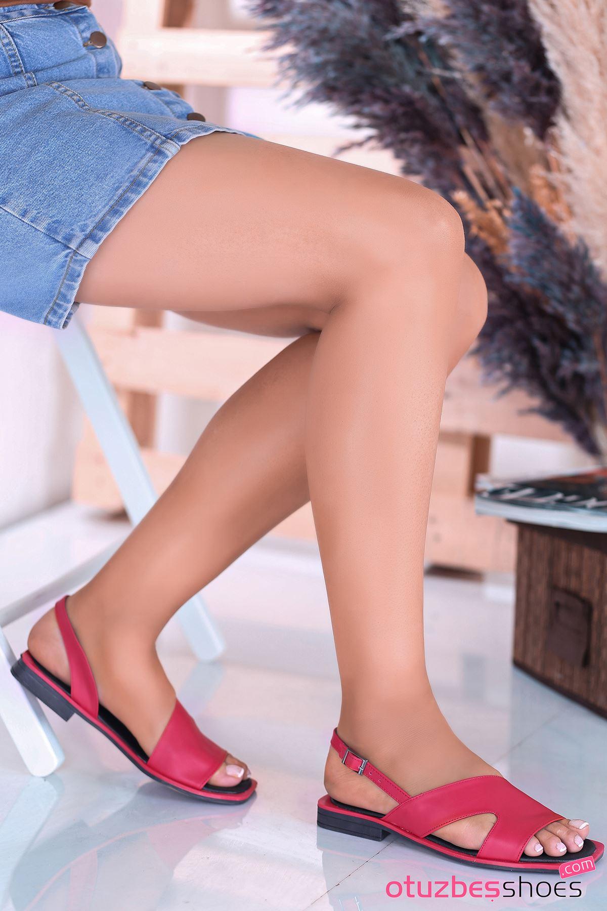 Most Mat Deri Kadın Sandalet Kırmızı