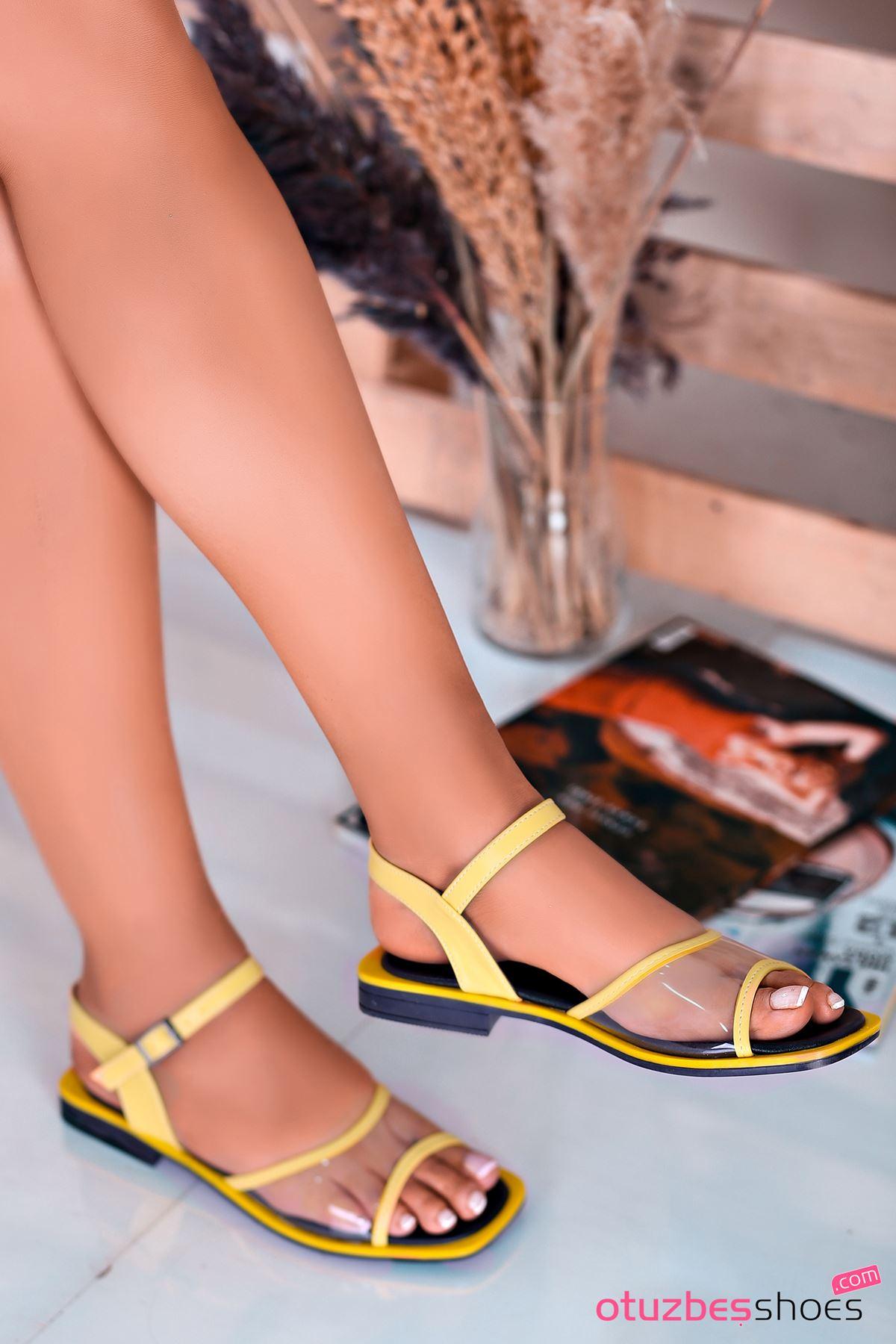 Lorea Mat Deri Şeffaf Detay Kadın Sandalet Sarı