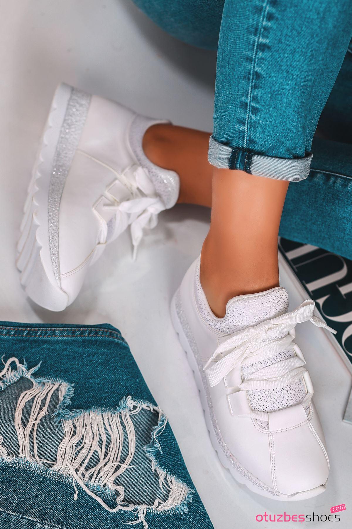 Arissa Beyaz Bağcık Detaylı Kadın Spor Ayakkabı