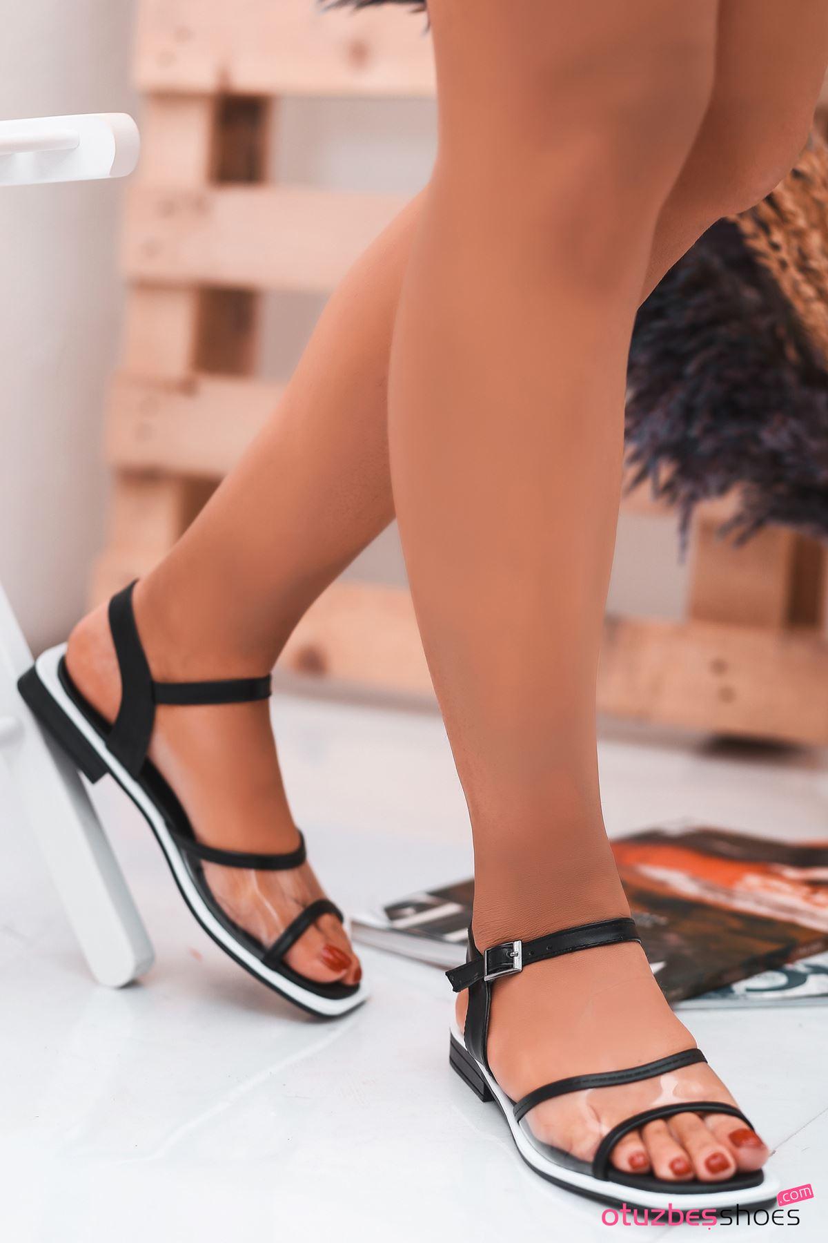 Lorea Mat Deri Şeffaf Detay Kadın Sandalet Siyah