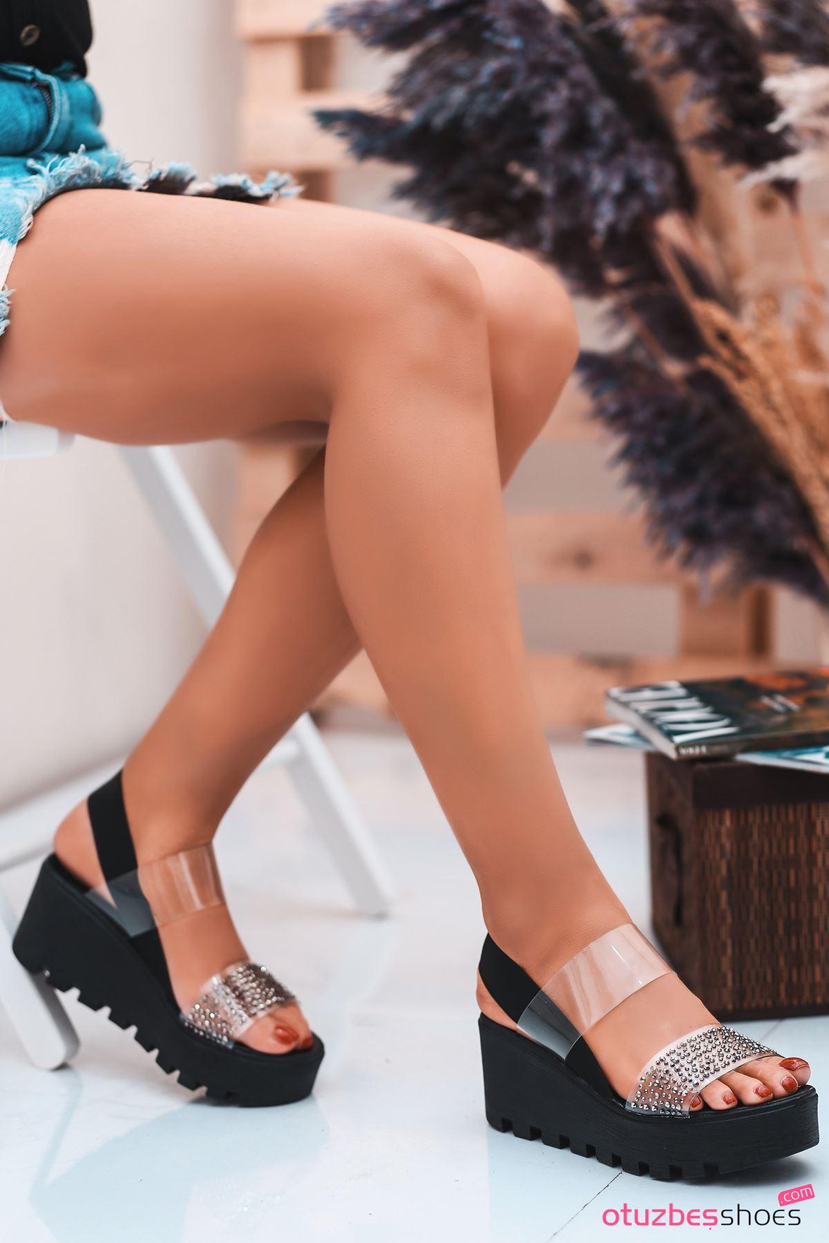 Dina Siyah Taş Detay Şeffaf Kadın Sandalet
