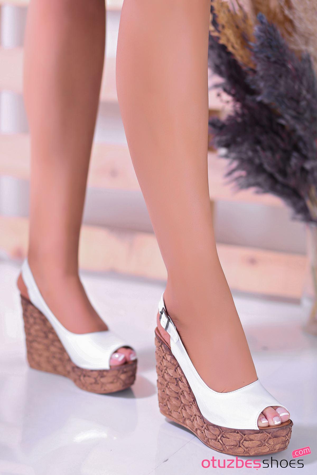 Alonso Beyaz Dolgu Topuk Kadın Ayakkabı