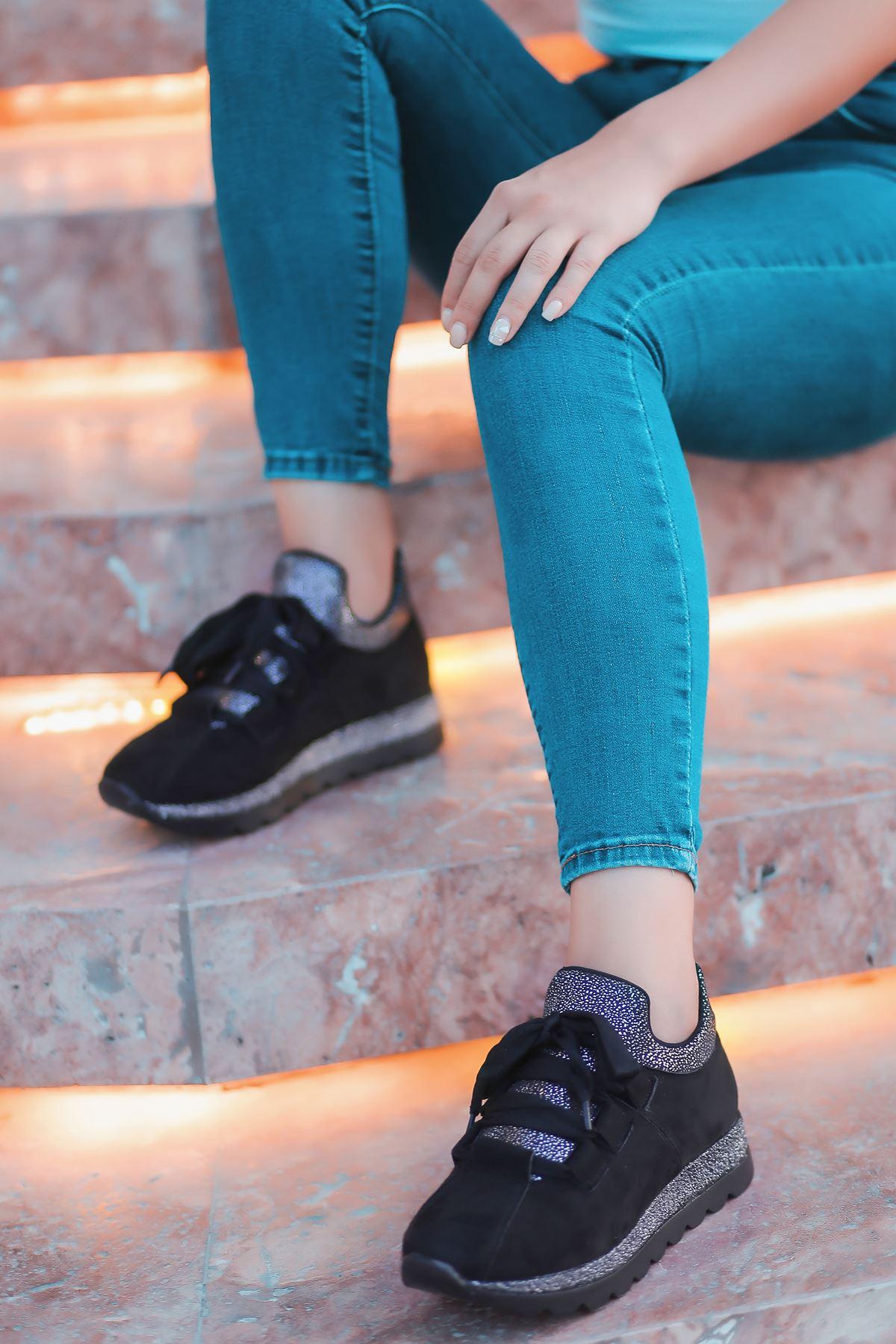 Arissa Siyah Bağcık Detay Kadın Spor Ayakkabı