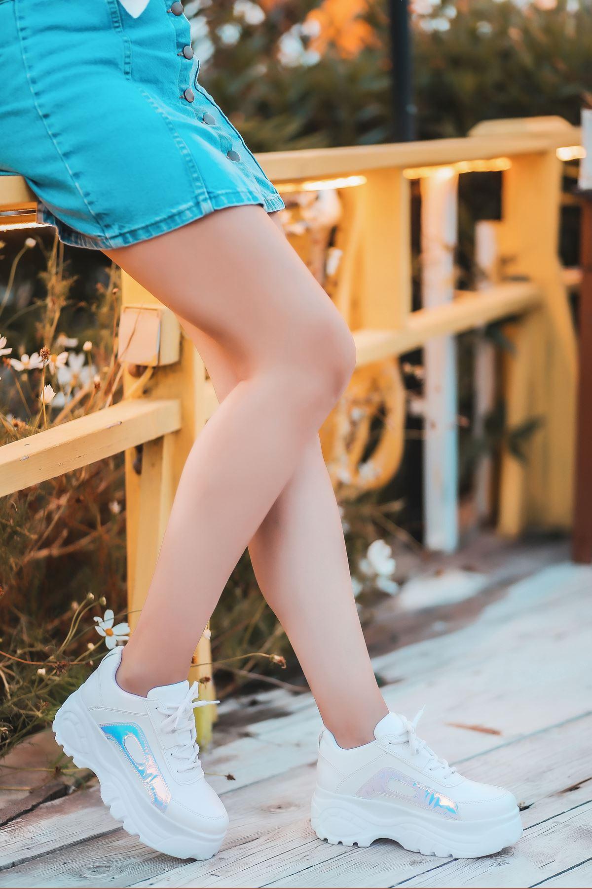Agnes Mat Deri Hologram Detay Kalın Taban Spor Ayakkabı Beyaz