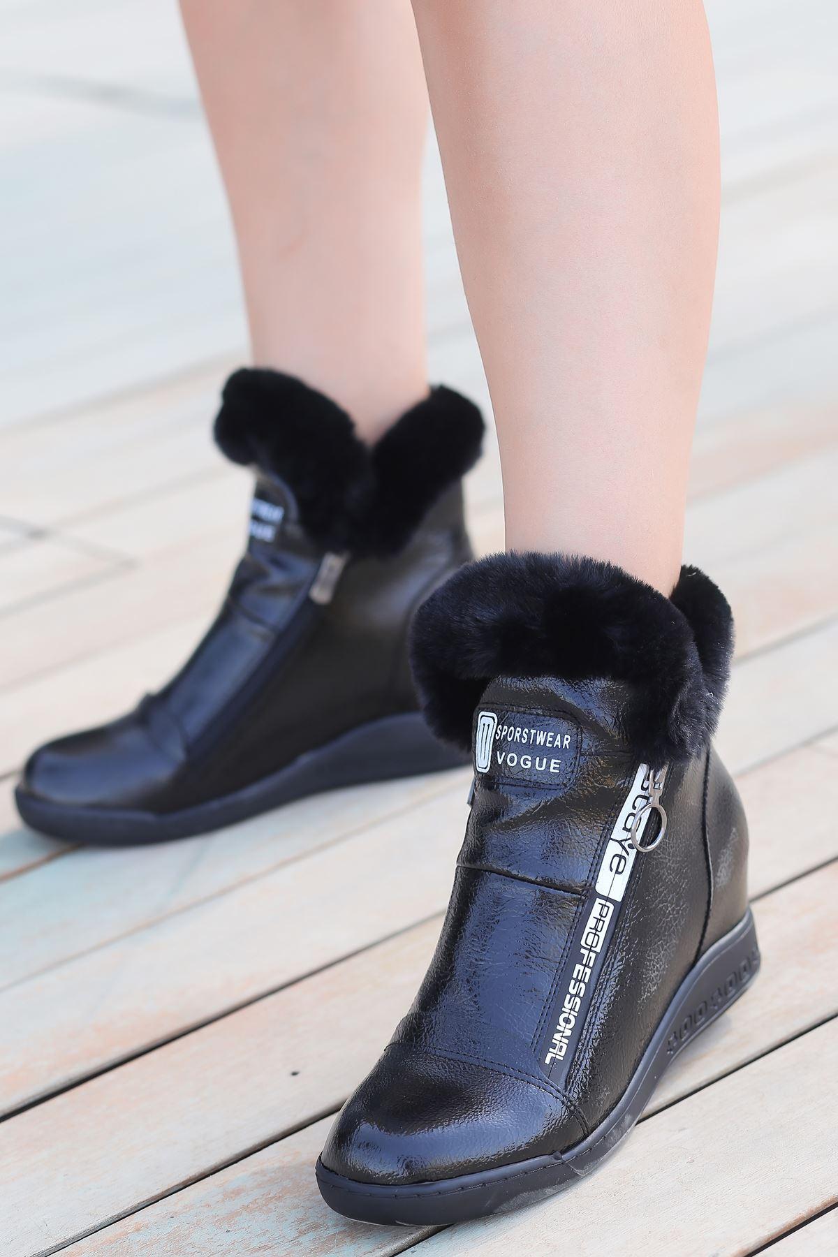 Puffy Kürk ve Fermuar Detaylı Gizli Topuk Siyah Rugan Kadın Bot