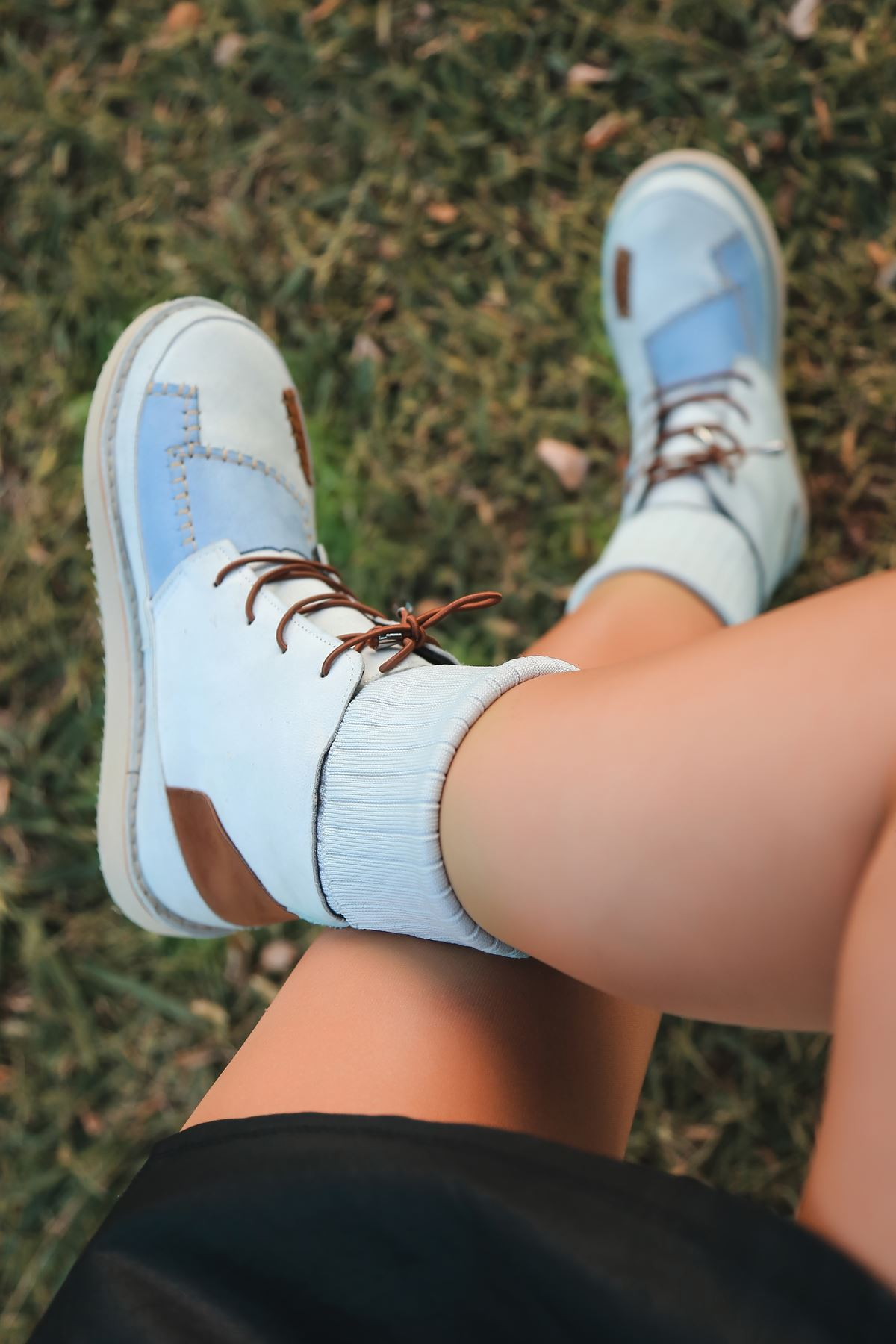 Viola Çorap Detay Mavi Ve Taba Parçalı Krem Kadın Bot