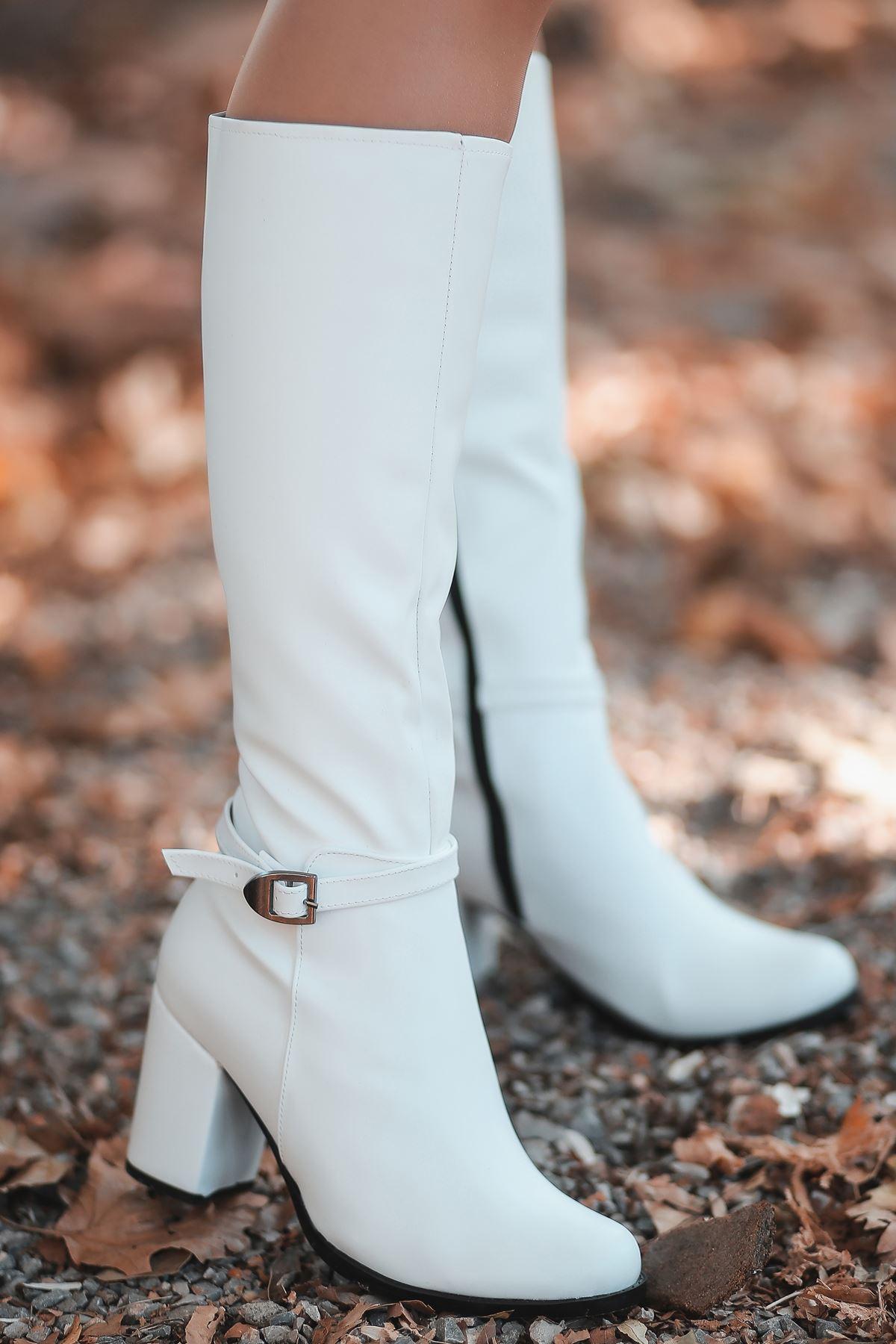 Madil Toka Detay Kadın Çizme Beyaz