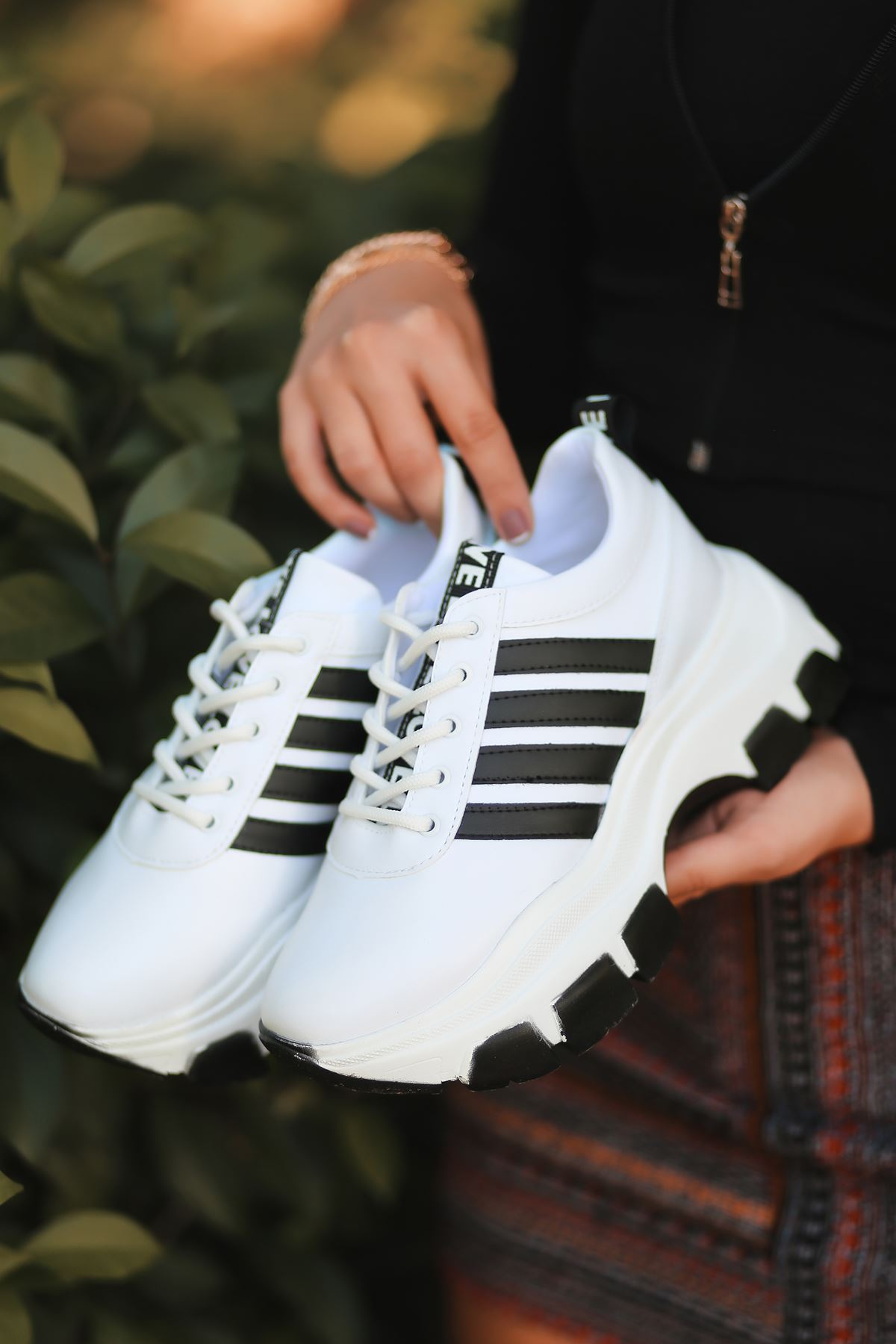 Rapso Mat Deri Yazı Detay Spor Ayakkabı Beyaz ST