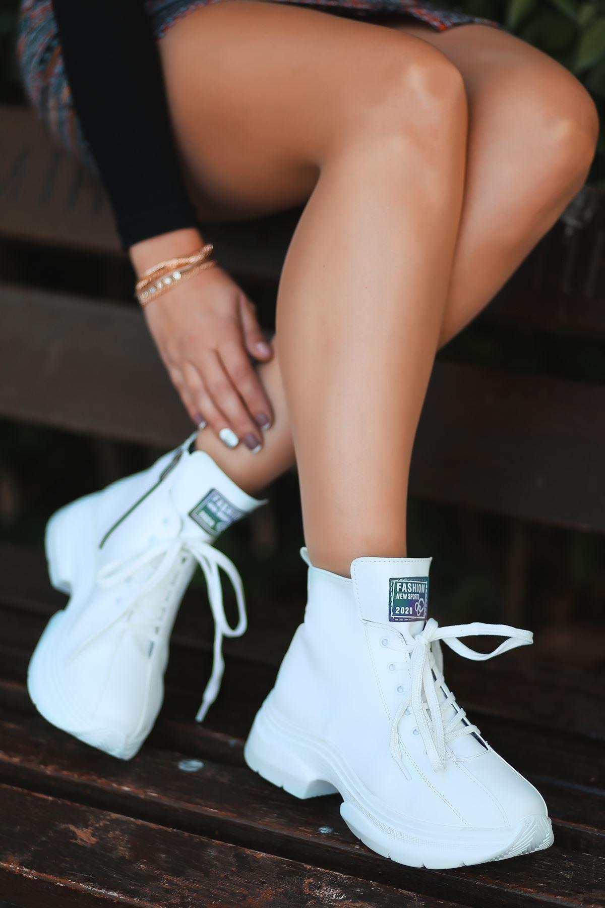 Lina Bağcık Detaylı Beyaz Taban Beyaz Kadın Spor Bot