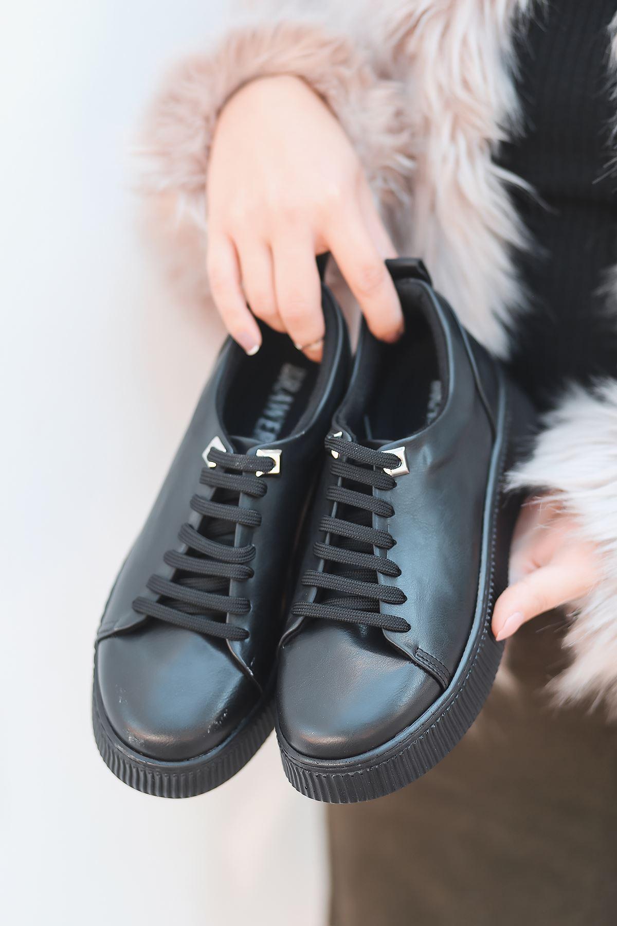 Dorris Bağcık Detaylı Siyah Kadın Sneaker
