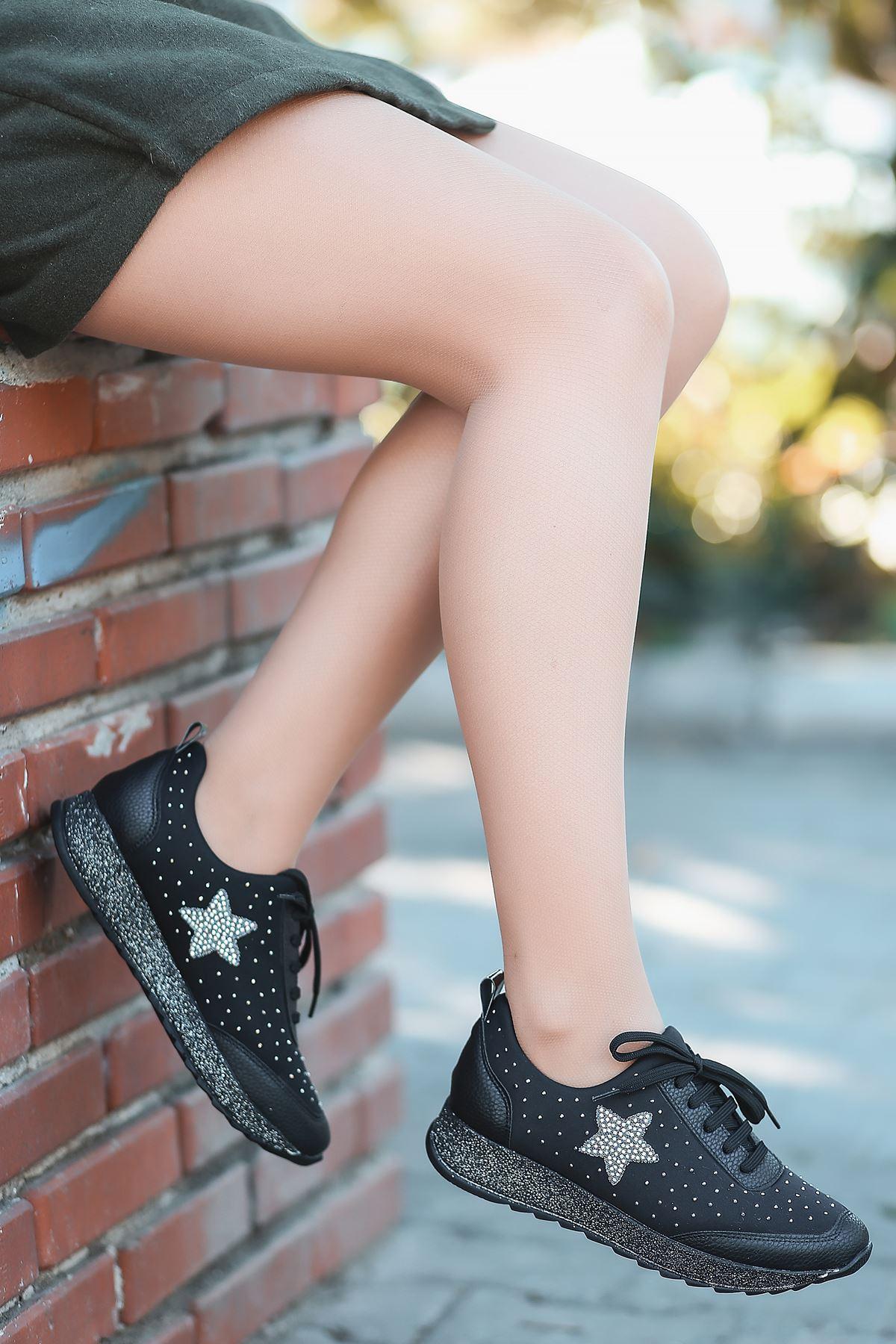 Wrap Taş Detaylı Bağcıklı Simli Taban Siyah Kadın Spor Ayakkabı
