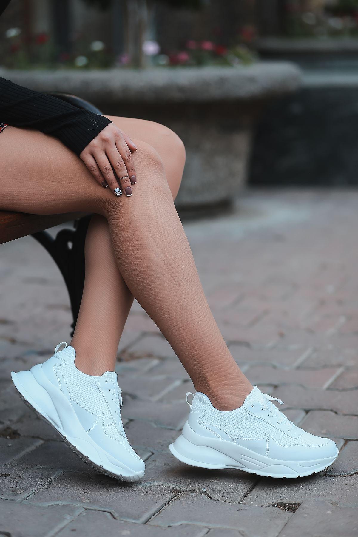 Marco Bağcık Detaylı Beyaz Kadın Spor Ayakkabı
