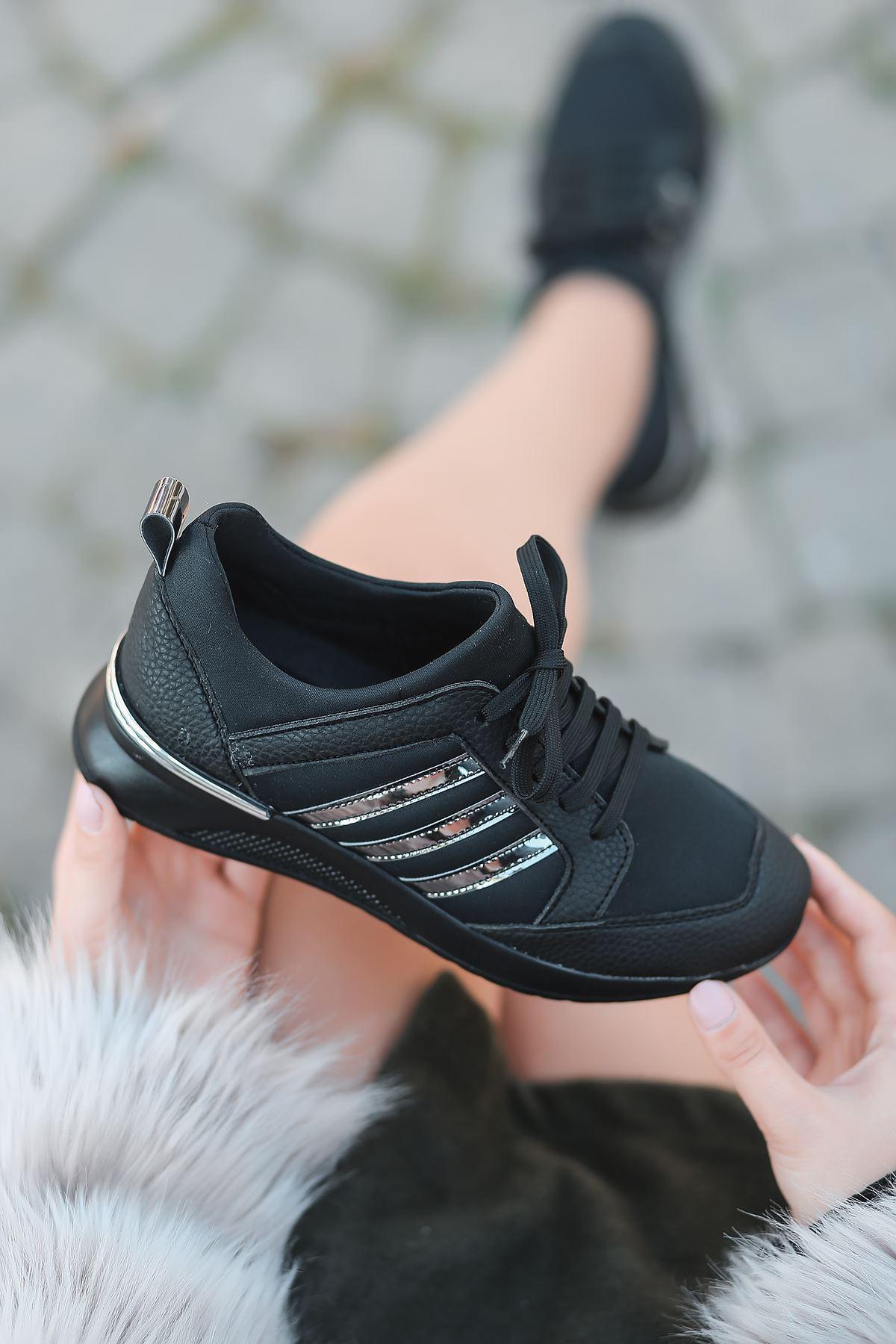 Galax Bağcık Detaylı Siyah Kadın Spor Ayakkabı