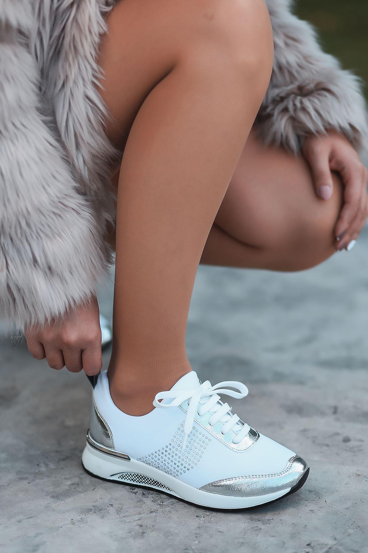 Vern Taş Detaylı Bağcıklı Beyaz Kadın Spor Ayakkabı