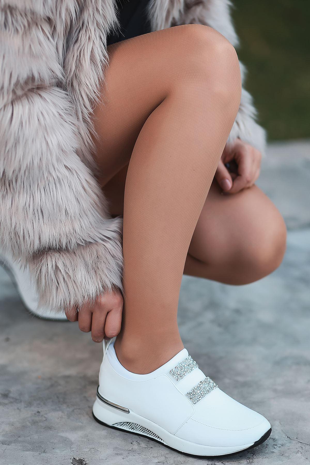 Oliver Taş Detaylı Beyaz Kadın Spor Ayakkabı