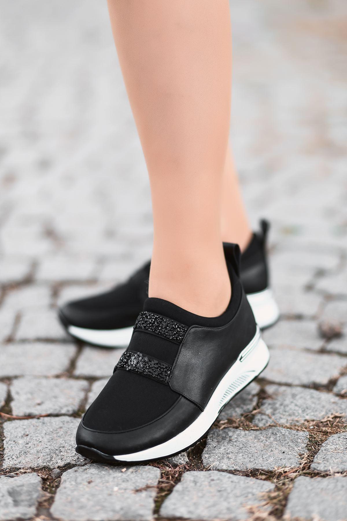 Oliver Taş Detaylı Siyah Kadın Spor Ayakkabı Beyaz Taban