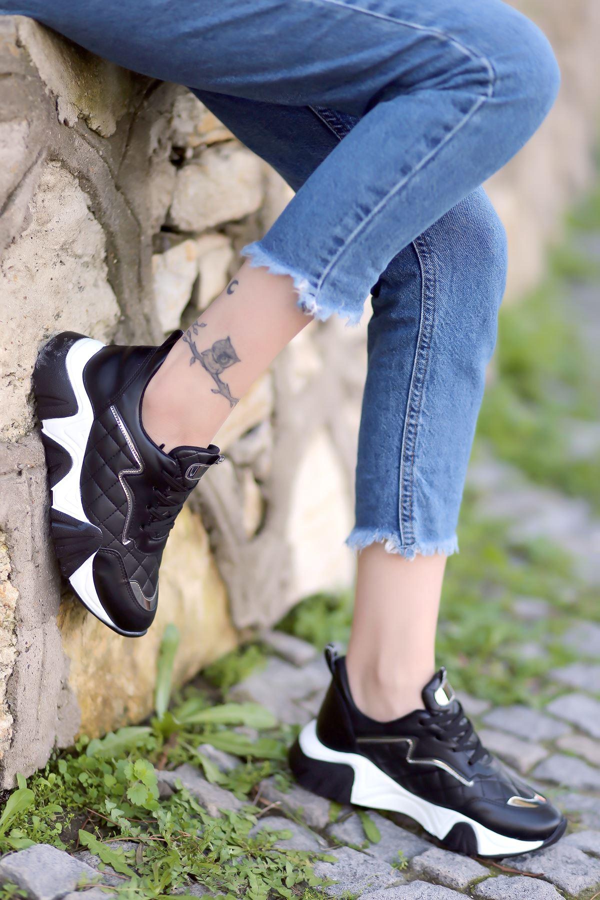 Ada Kapitone Detaylı Bağcıklı Siyah Kadın Spor Ayakkabı