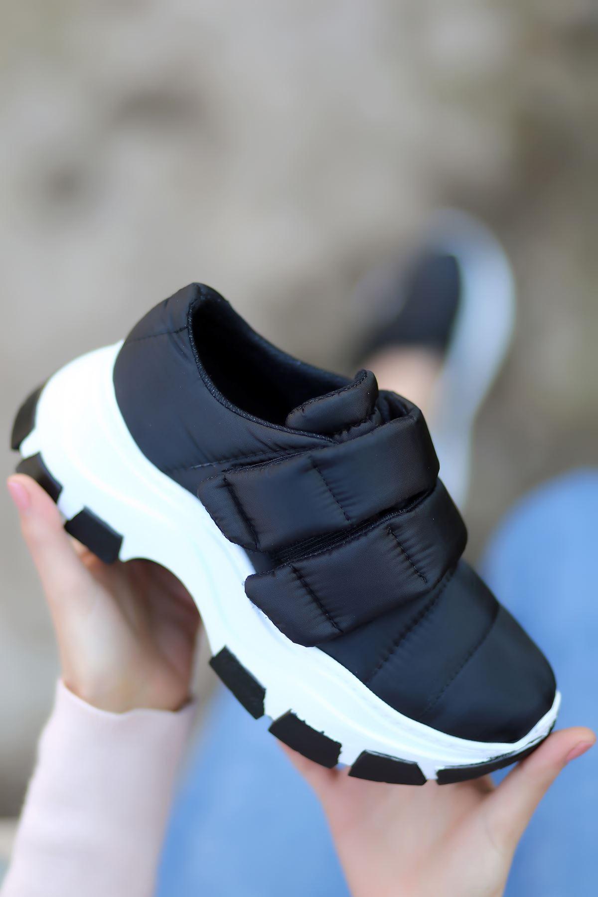 Eylül Cırt Detaylı Paraşüt Siyah Kadın Spor Ayakkabı