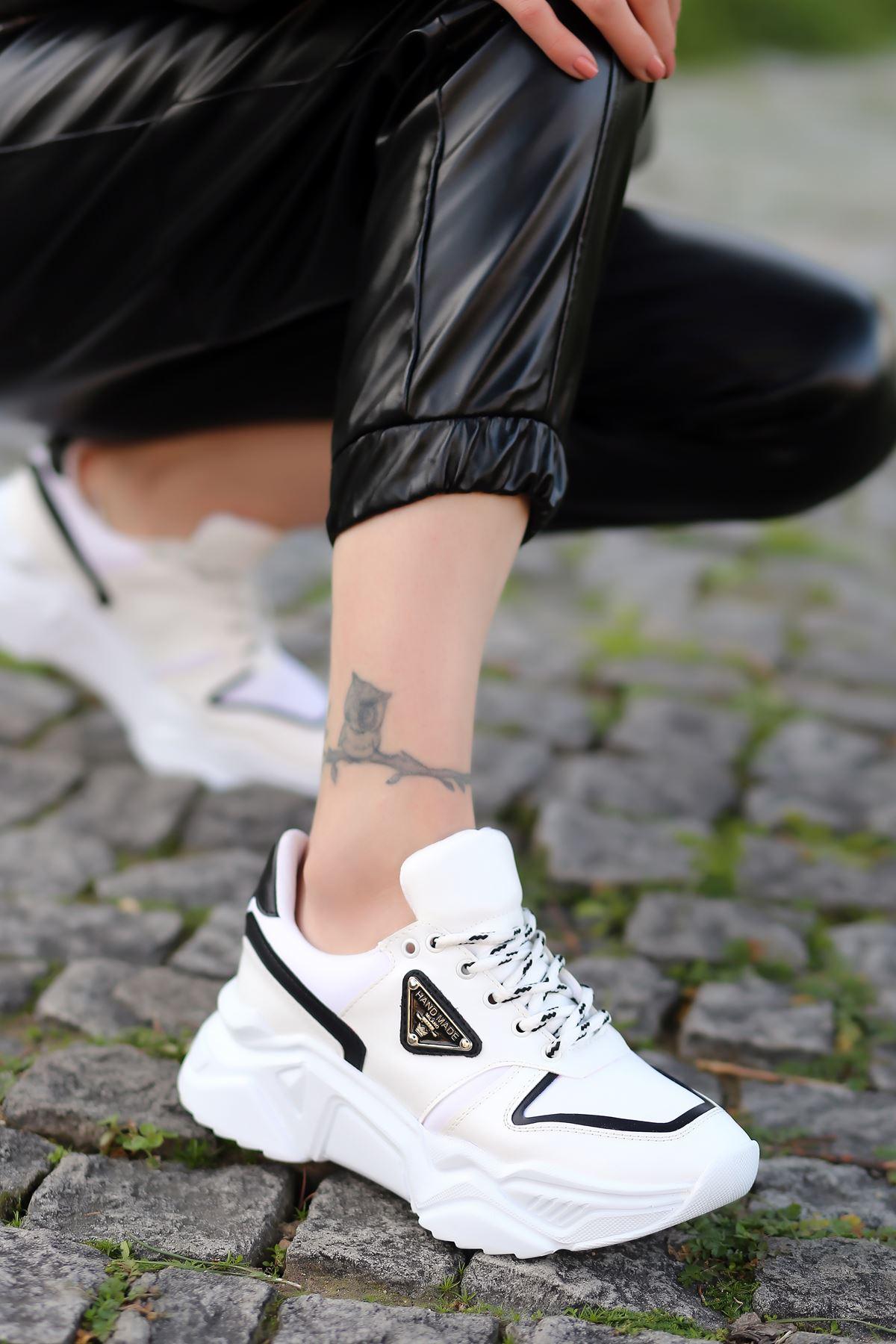 Stolz Arma Detaylı Bağcıklı Beyaz Kadın Spor Ayakkabı