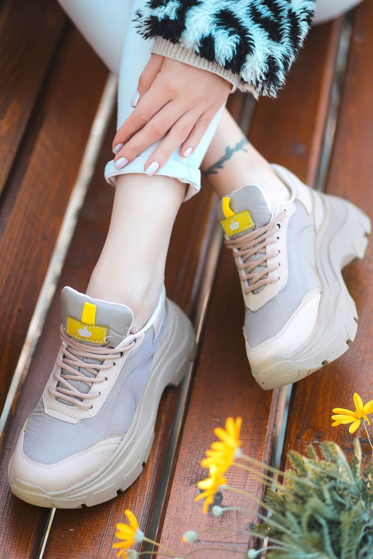 Aberto Bağcık Detaylı Vizon Parçalı Gri Paraşüt Kadın Spor Ayakkabı