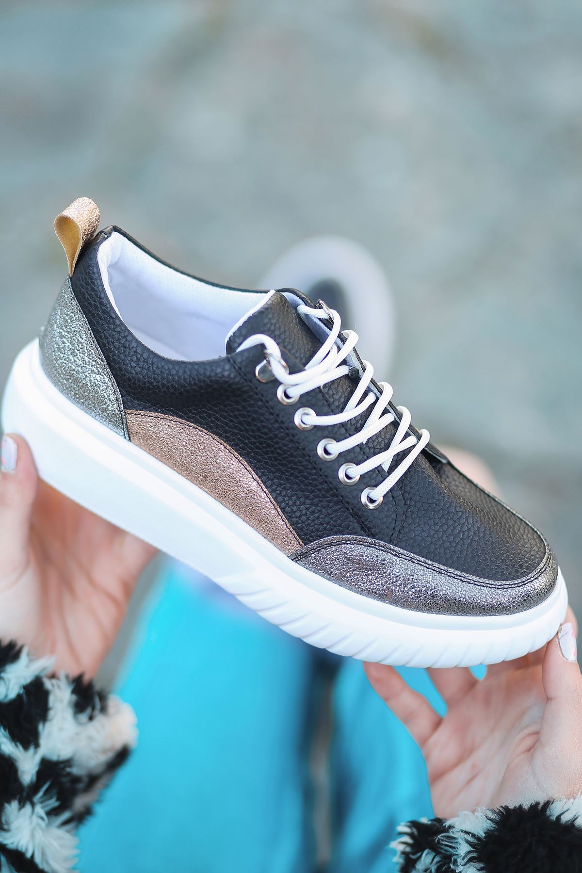Dolly Mat Deri Platin Detay Kalın Taban Günlük Ayakkabı Siyah