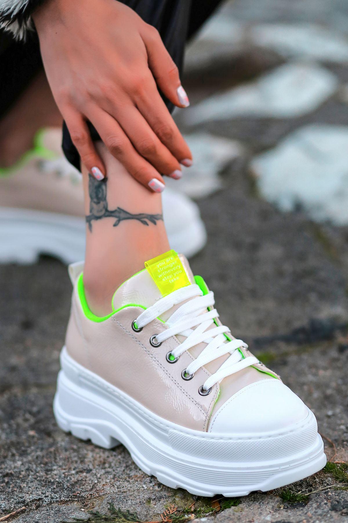 Bombon Bağcık Detaylı Ten Rugan Kadın Spor Ayakkabı
