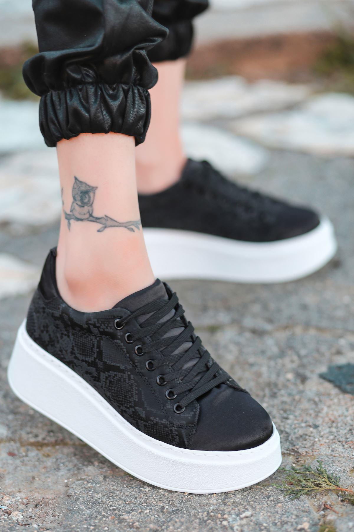 Hugo Saten Kumaş Kalın Taban Yılan Desenli  Spor Ayakkabı Siyah