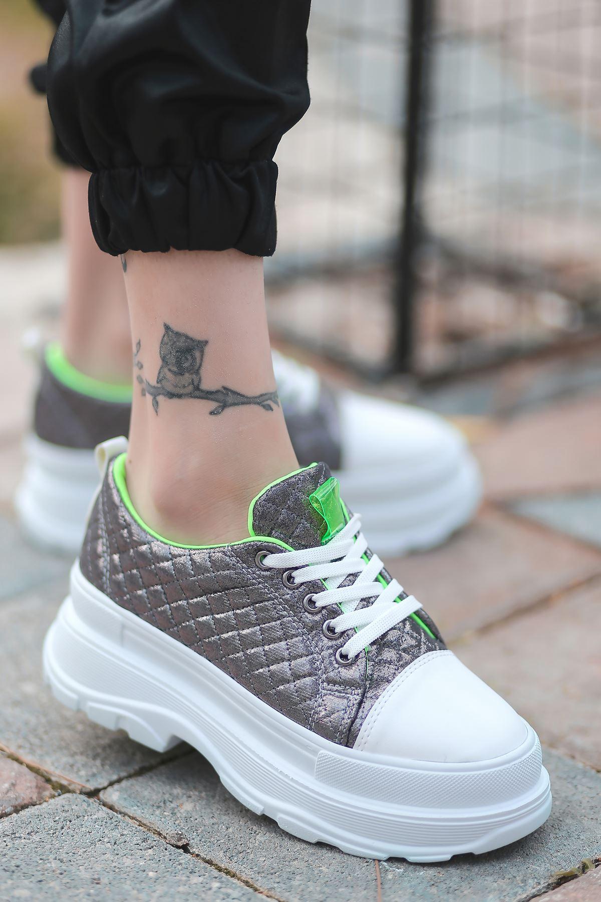 Combo Bağcık Detaylı Platin Kapitone Kadın Spor Ayakkabı