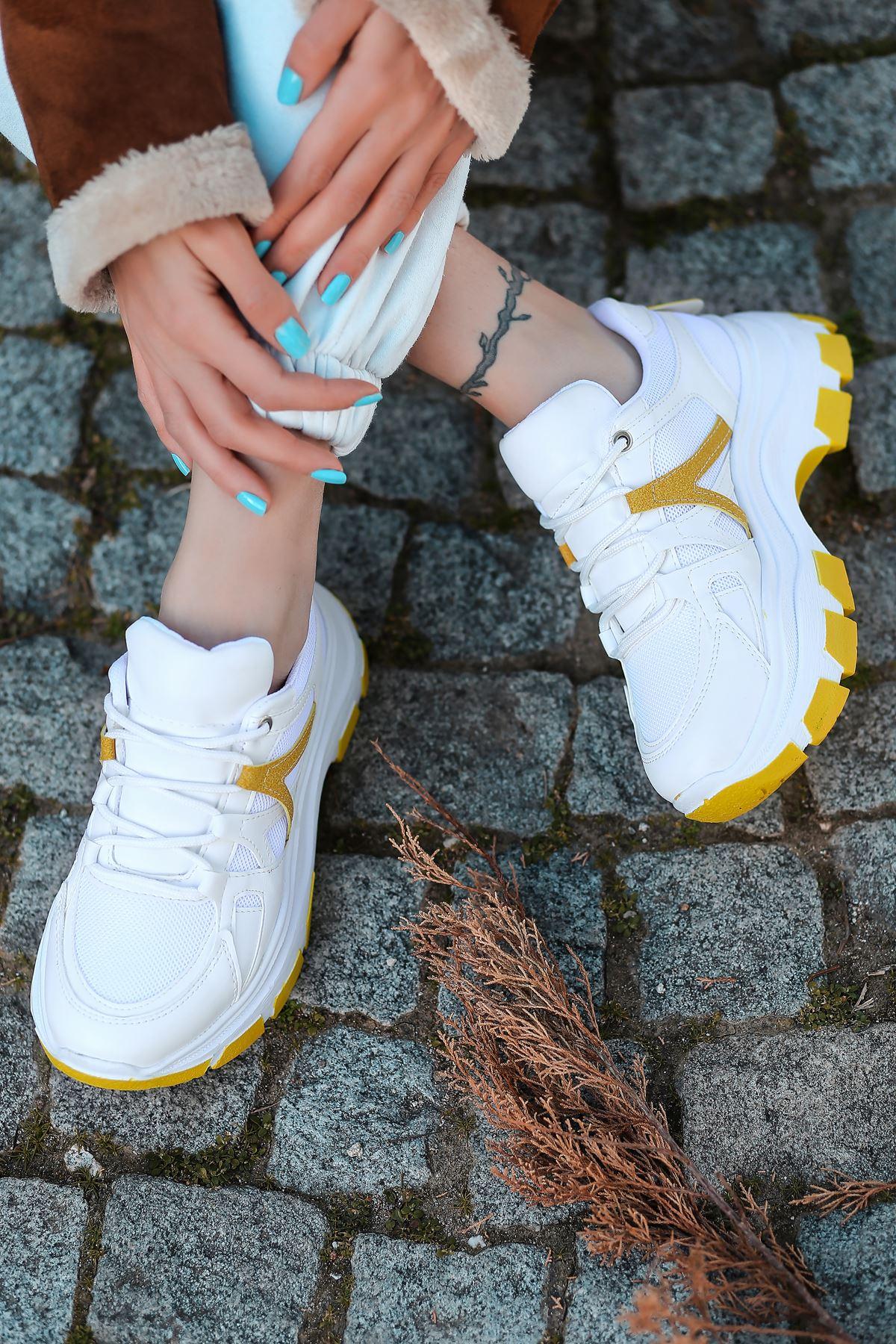 Gabi Bağcık Detaylı Hardal Parçalı Beyaz Kadın Spor Ayakkabı