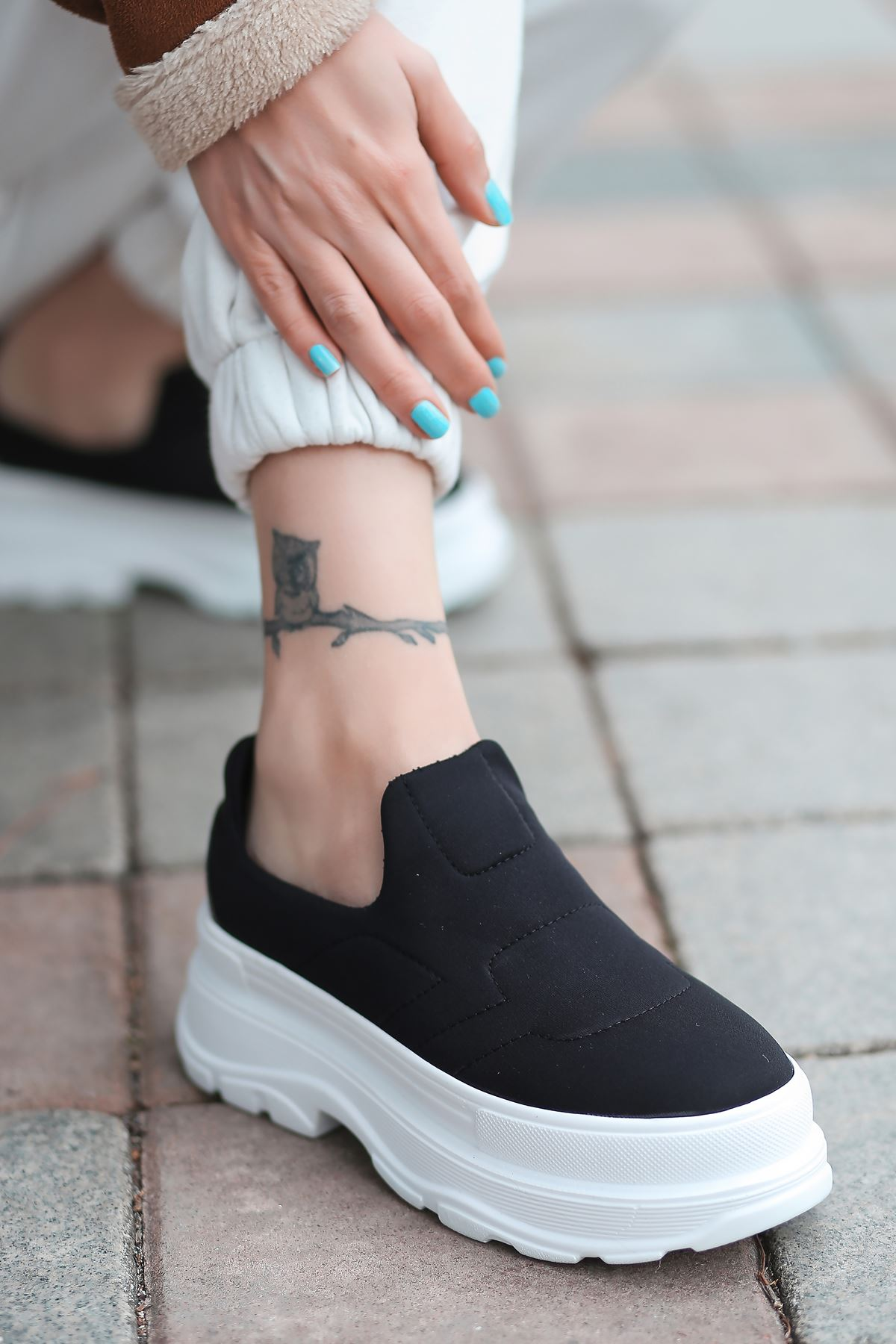 Alita Kalın Taban Siyah Kadın Ayakkabı BT