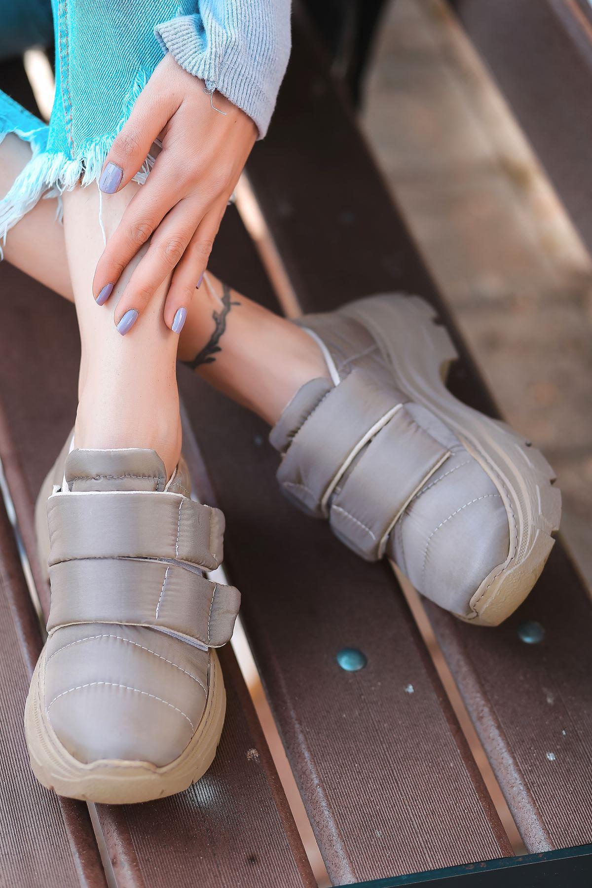 Eylül Cırt Detaylı Paraşüt Vizon Kadın Spor Ayakkabı