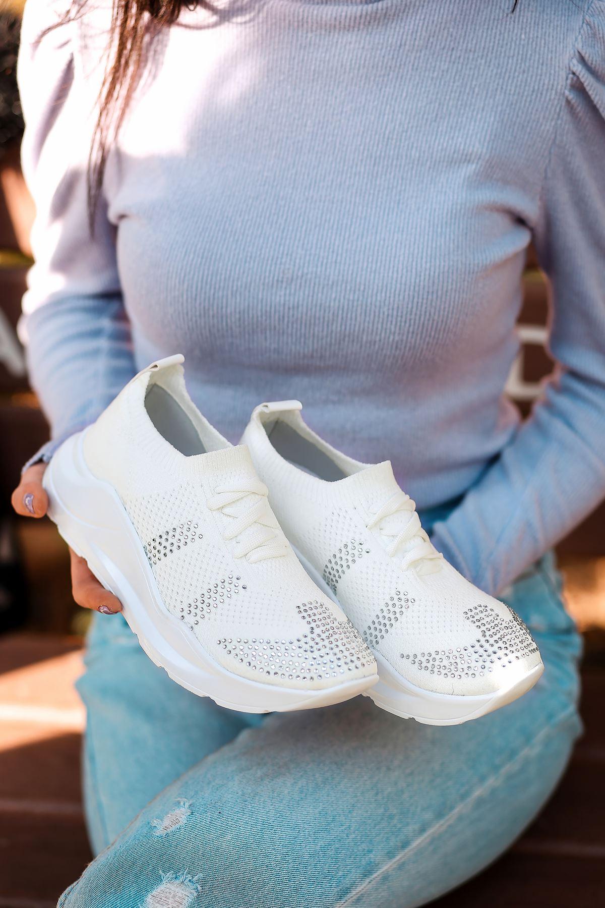 Anzel Bağcık Detaylı Beyaz Triko Taşlı Kadın Spor Ayakkabı