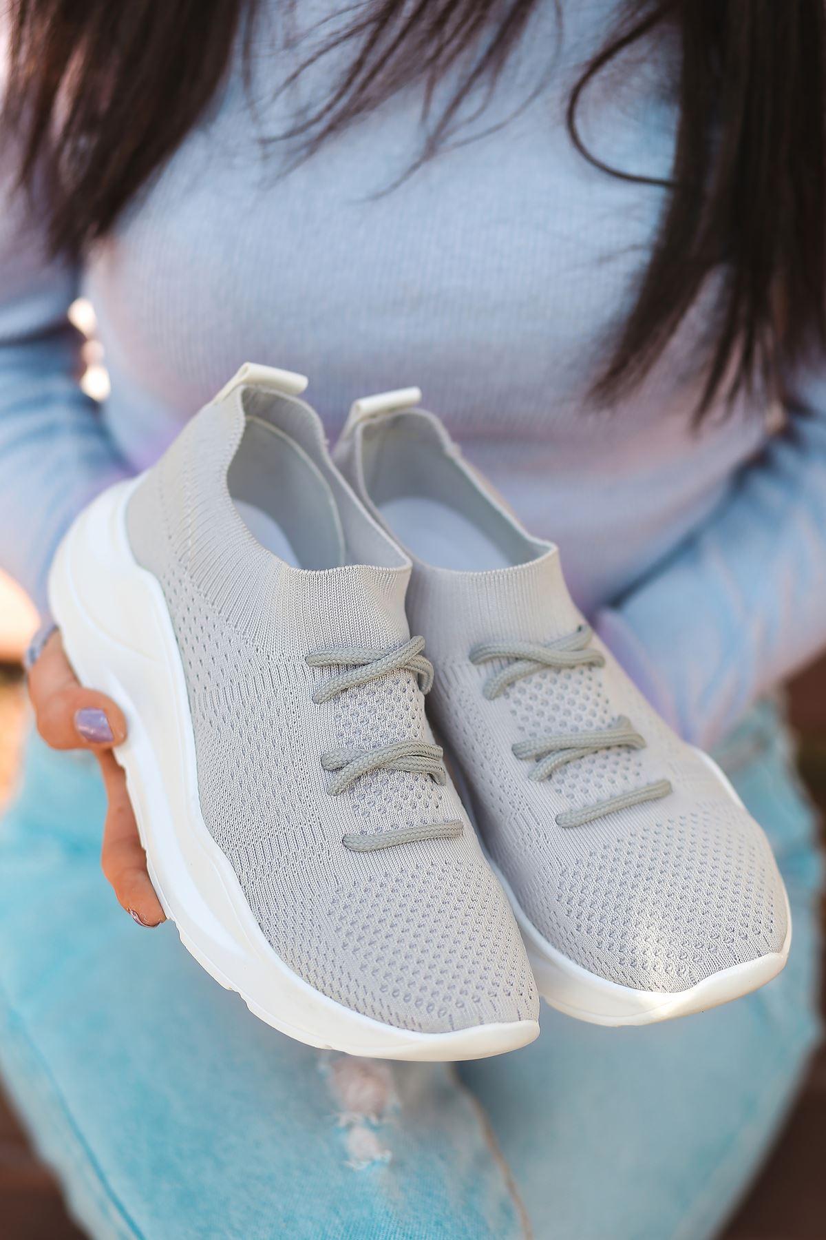 Bertha Bağcık Detaylı Gri Triko Kadın Spor Ayakkabı