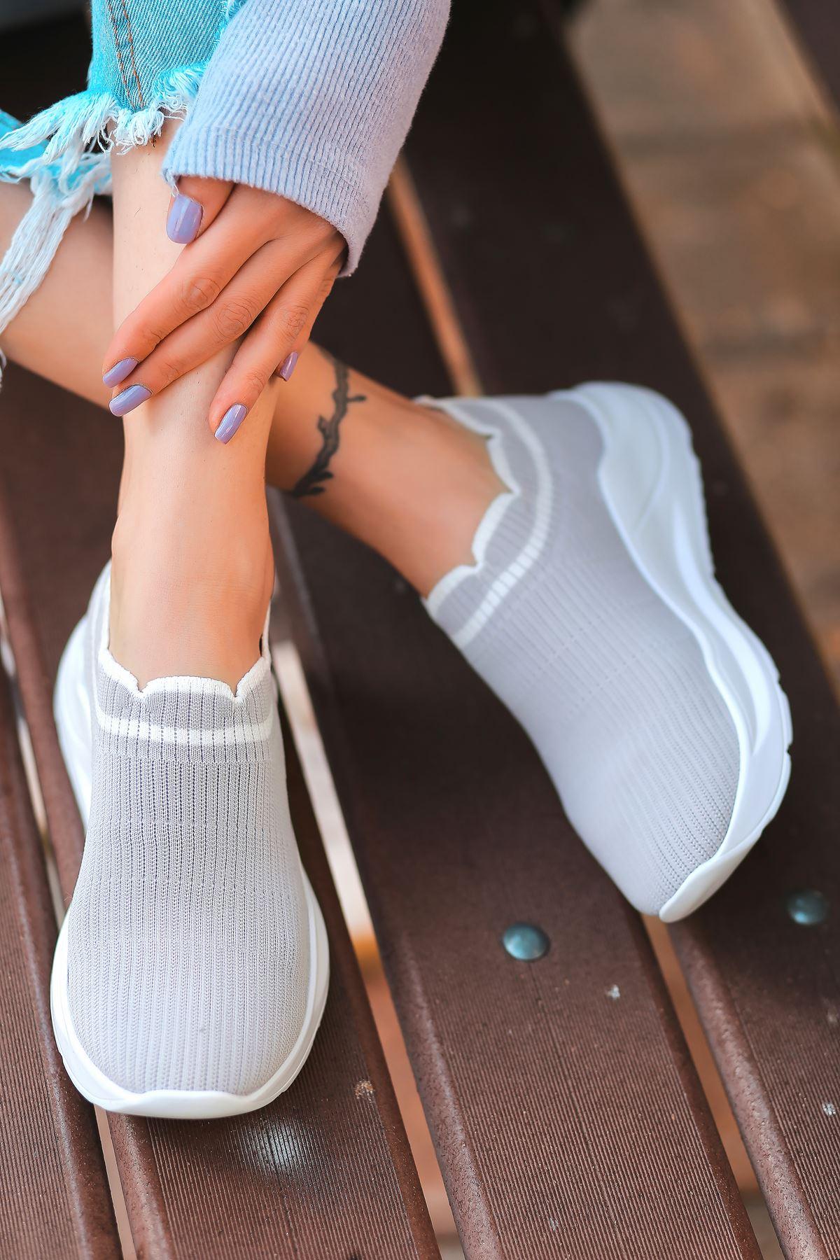 Levin Beyaz Şeritli Gri Triko Kadın Spor Ayakkabı