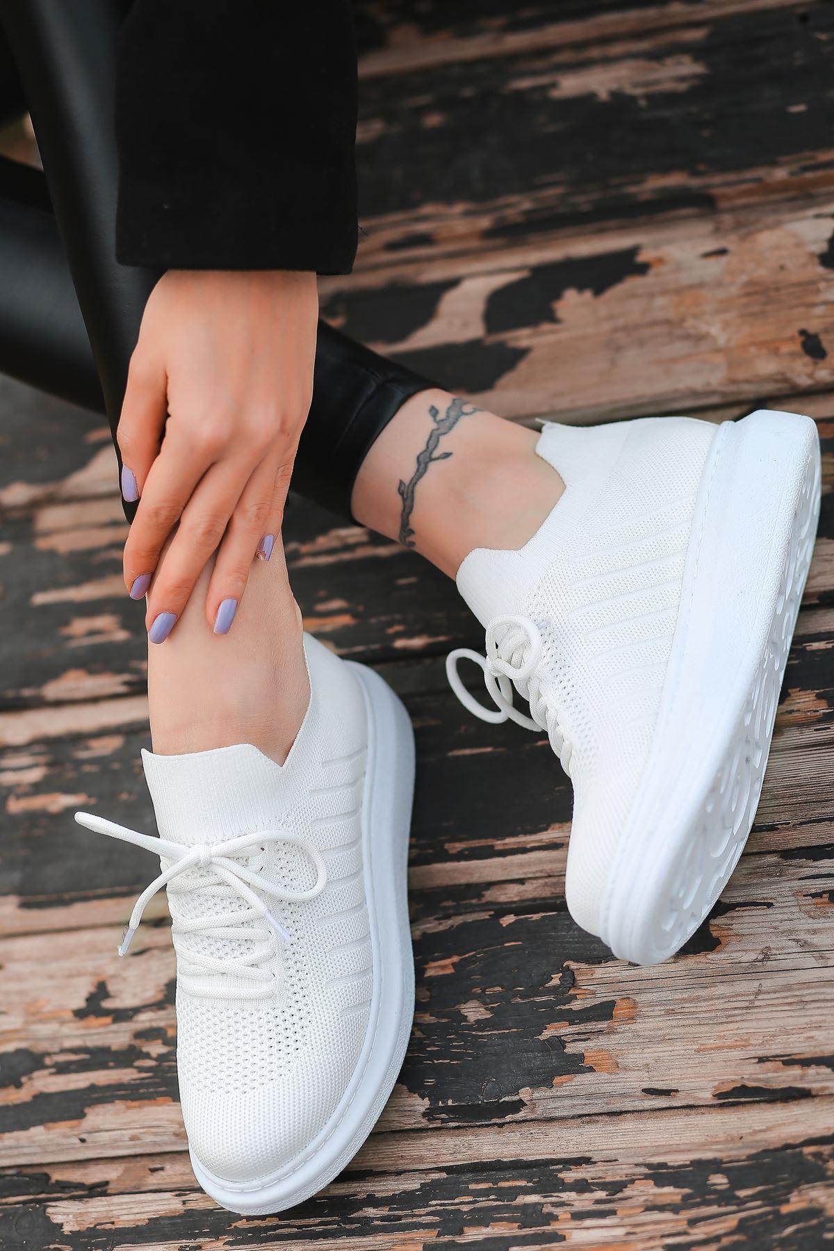 That Bağcık Detay Beyaz Triko Kadın Spor Ayakkabı
